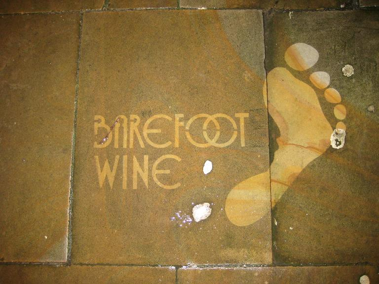 Photo of image Created by Street Advertising Services for the Barefoot Wine Reverse Graffiti campaign in UK. Uploaded to Wikimedia Commons under CC-BY-3.0
