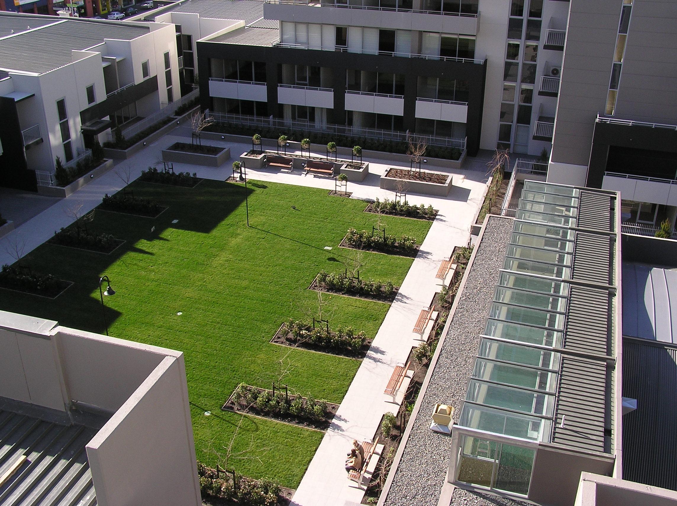 File Bayview Apartment 3rd Floor Courtyard Jpg Wikimedia