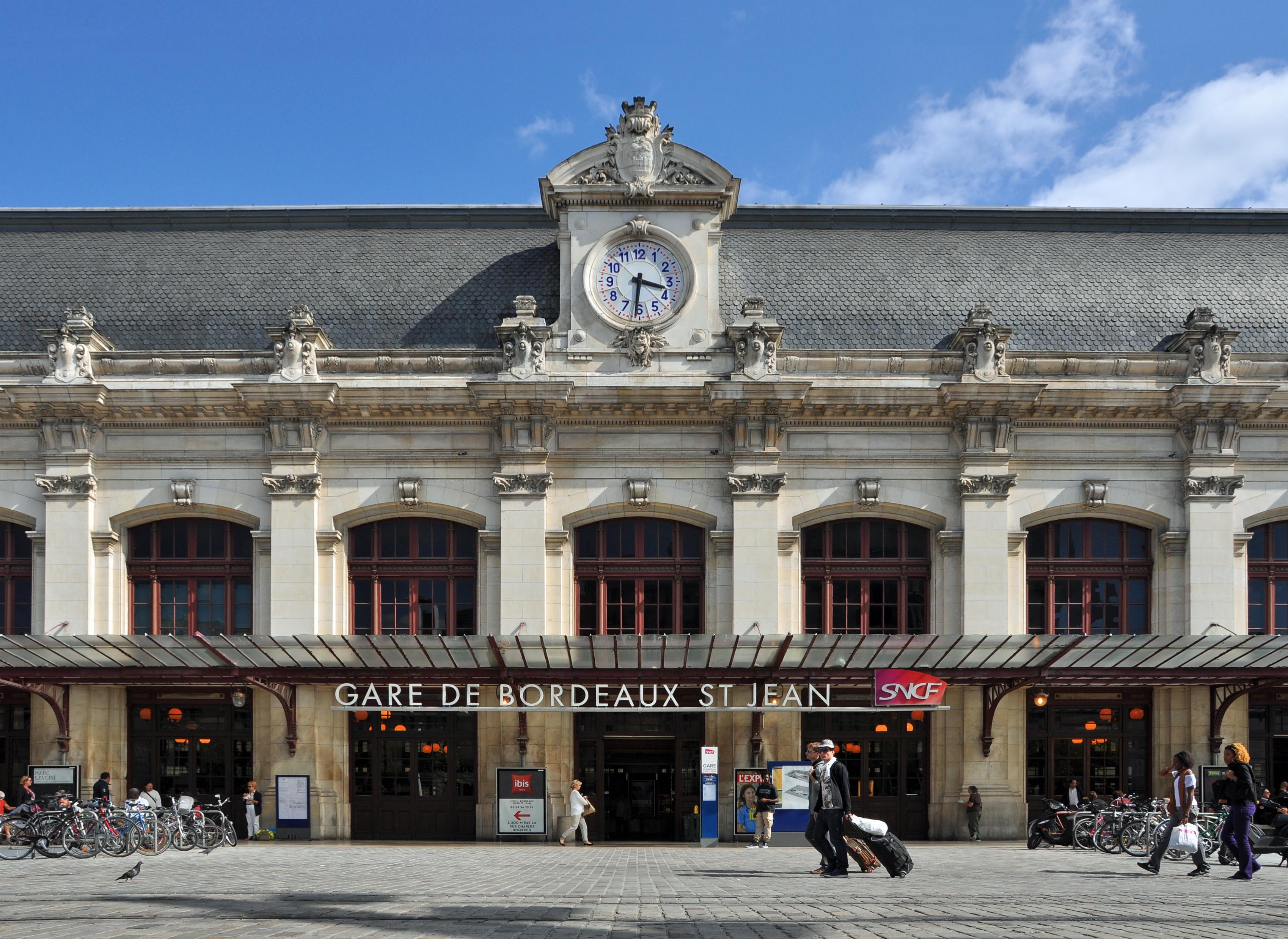 La gare de Bordeaux Saint-Jean (photo de Marc Ryckaert sous licence CC-by-SA 3.0 affichée depuis Wikimedia)