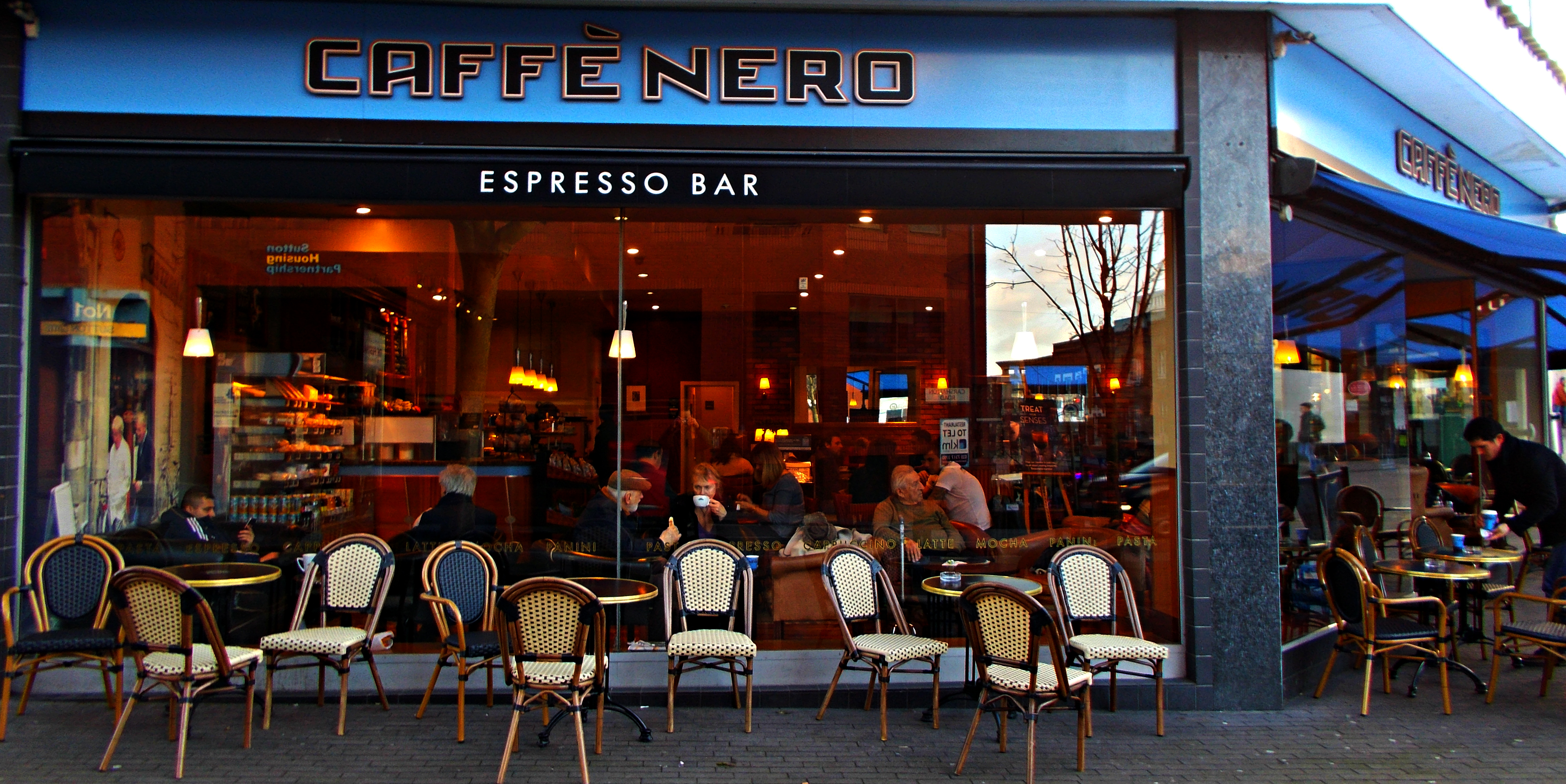 Cafe Bar St Chamond Place Dorian