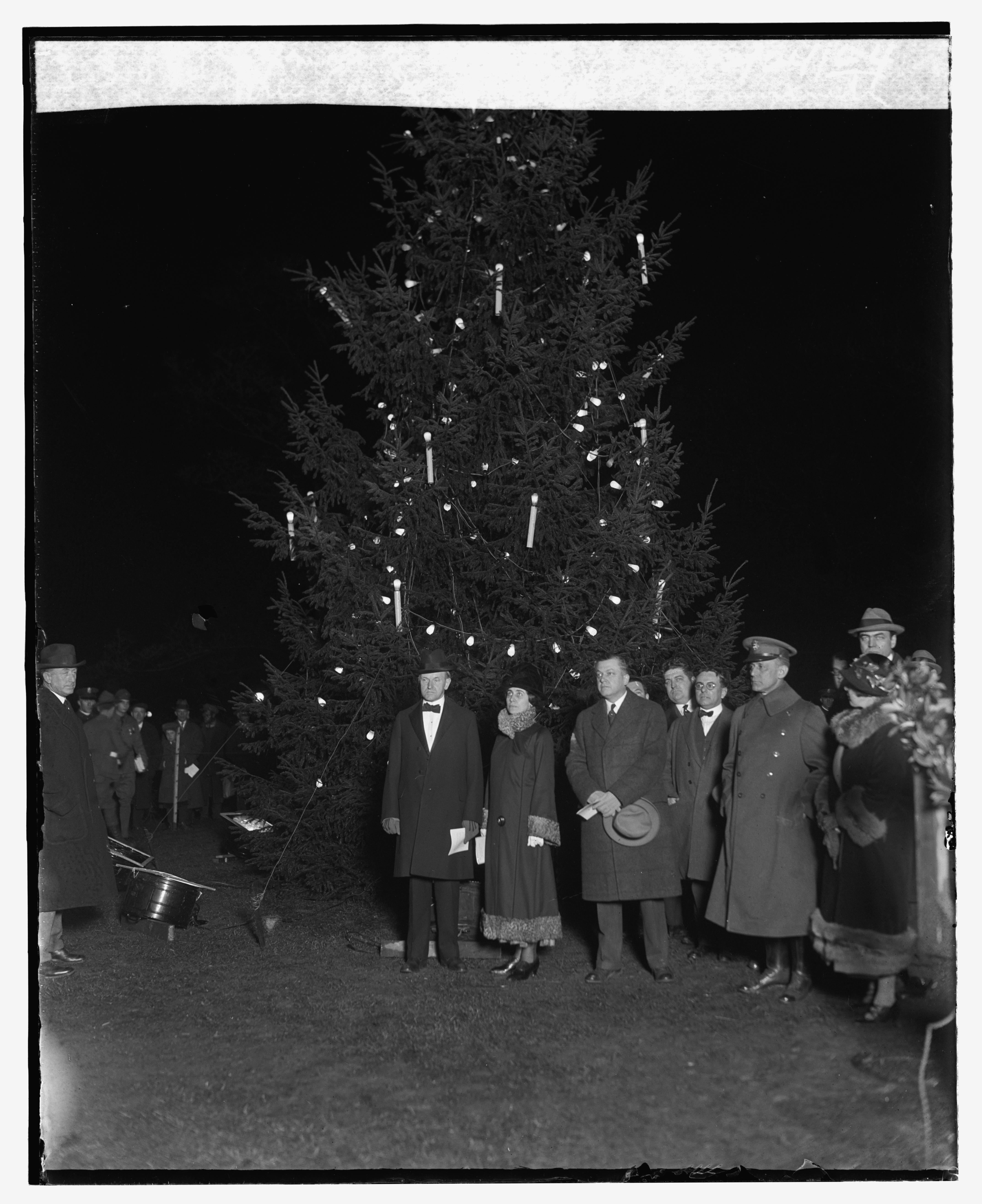 File Coolidge Lights U S National Christmas Tree 1924 12816u Original Jpg