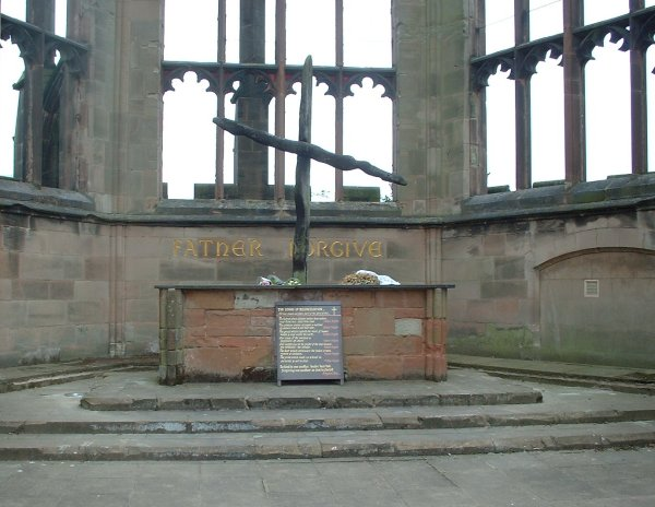 Coventry_Cathedral_burnt_cross.jpg