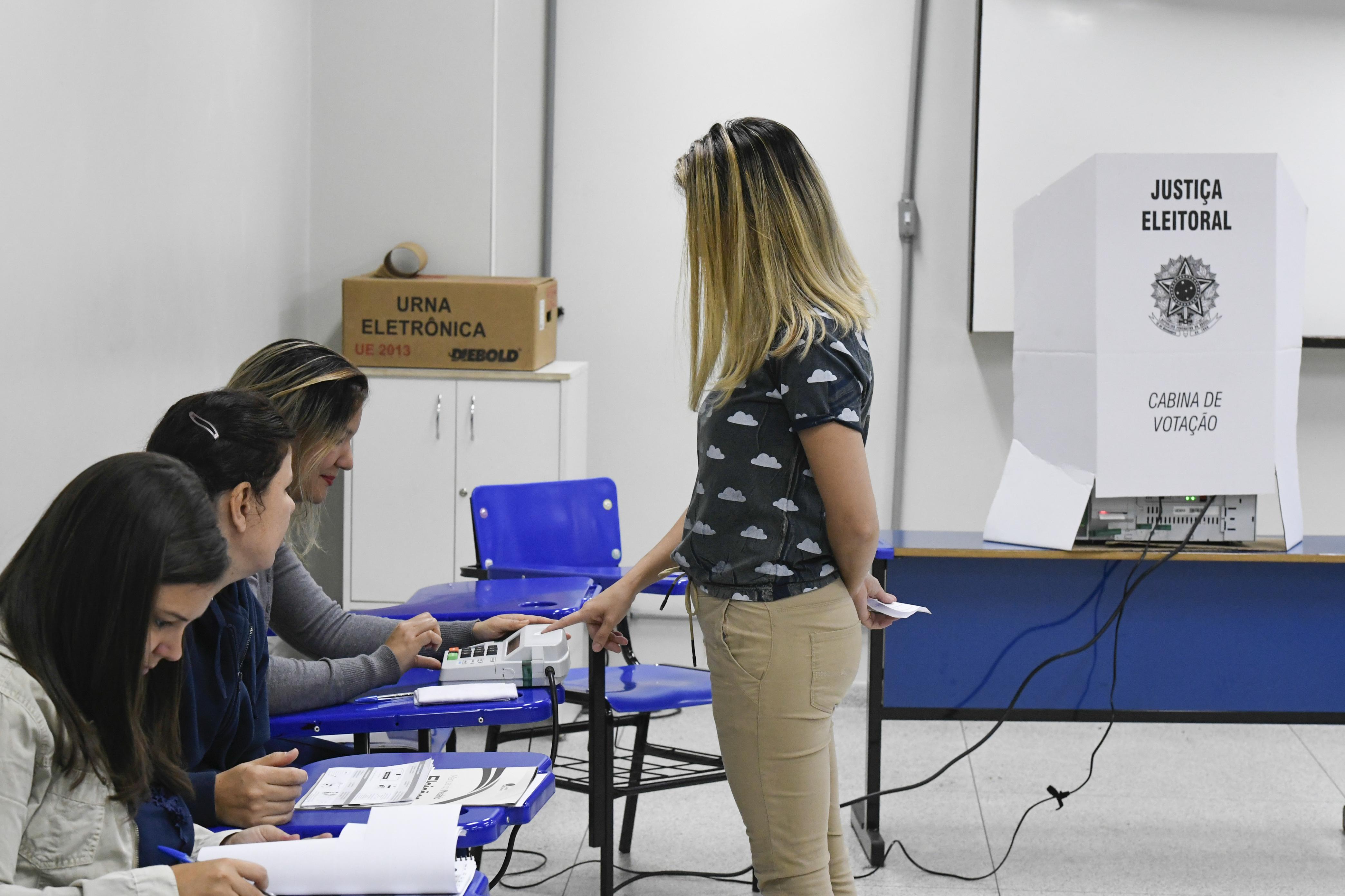 File:Eleições 2018 - Primeiro turno - 31294555528.jpg - Wikimedia Commons