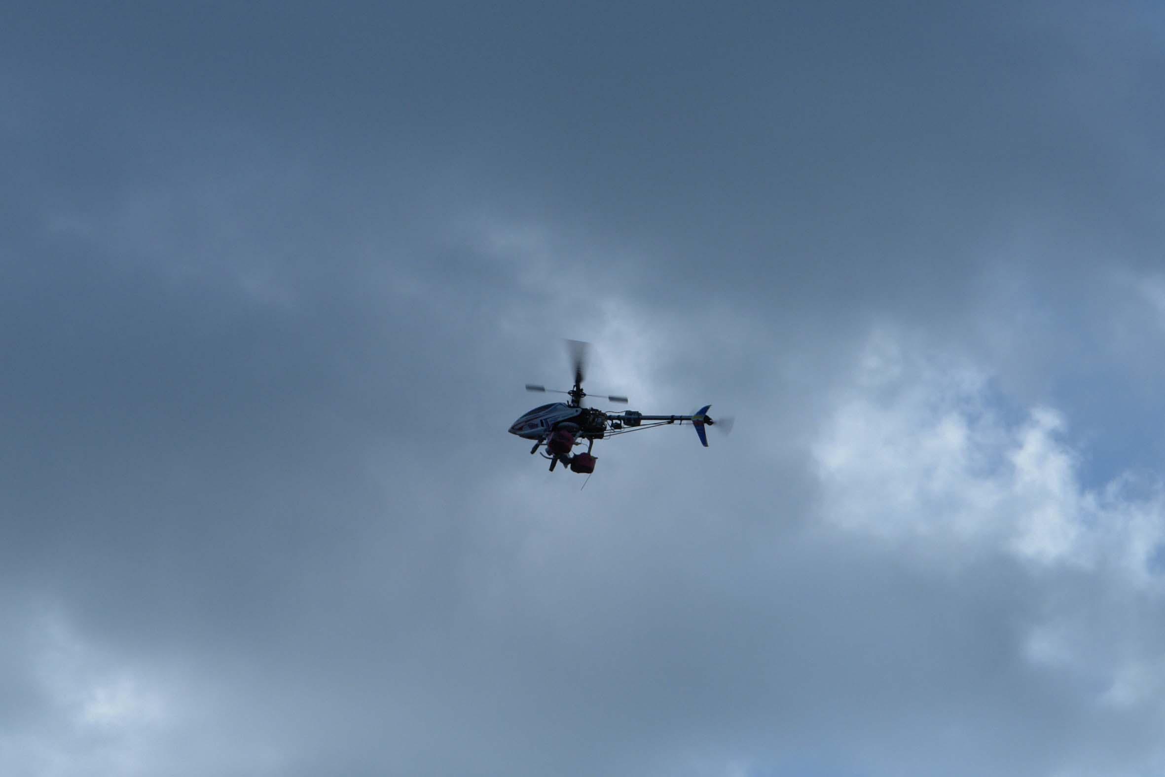 Elicottero Dat3 : File elicottero radiocomandato con sistema video full hd