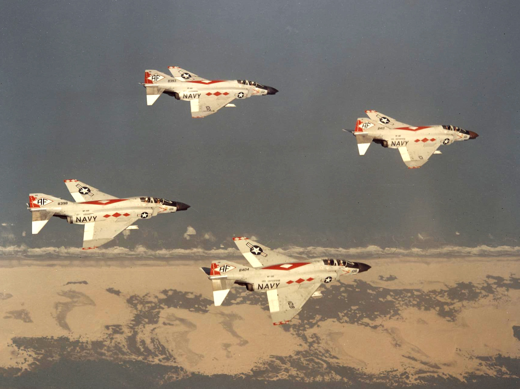 F-4B_Phantoms_of_VF-102_in_flight_in_196