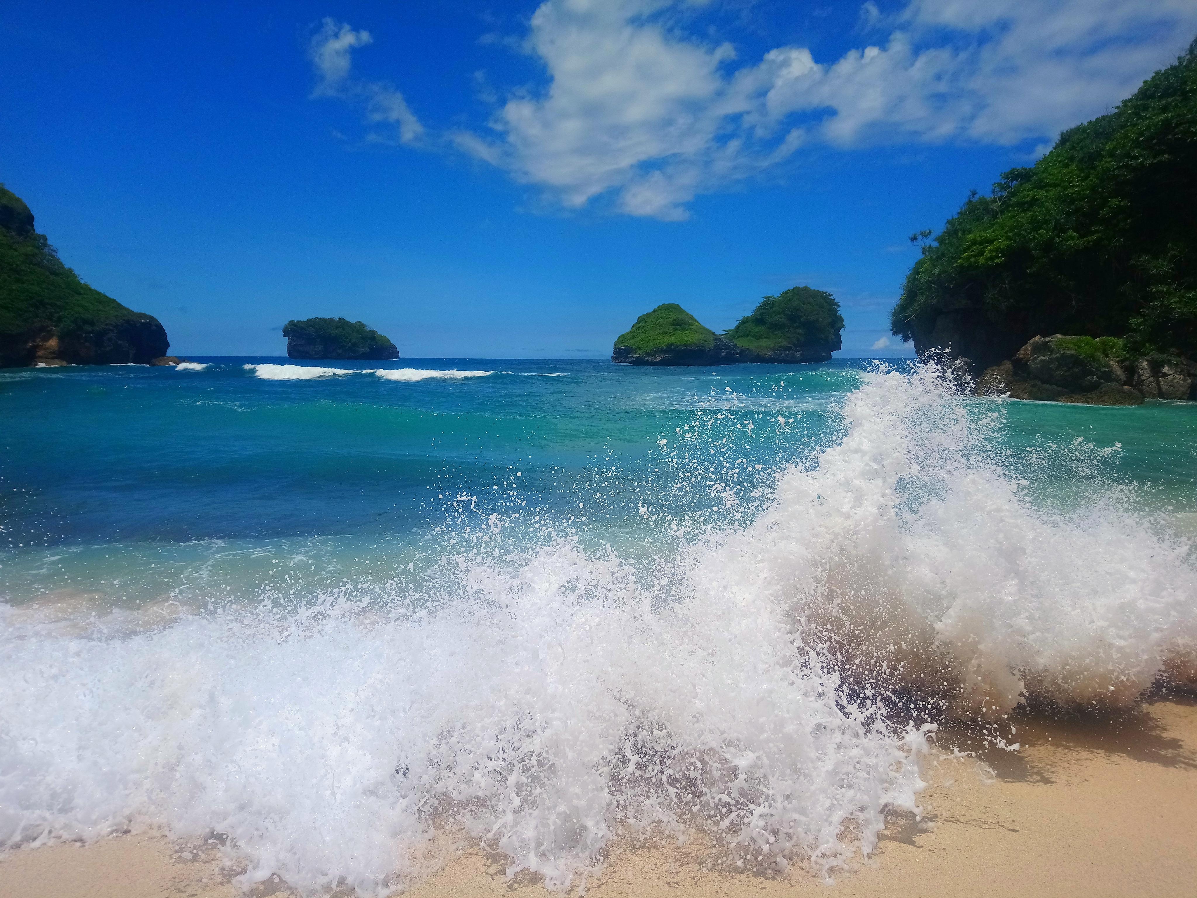 File Goa Cina Beach Malang Jpg Wikimedia Commons