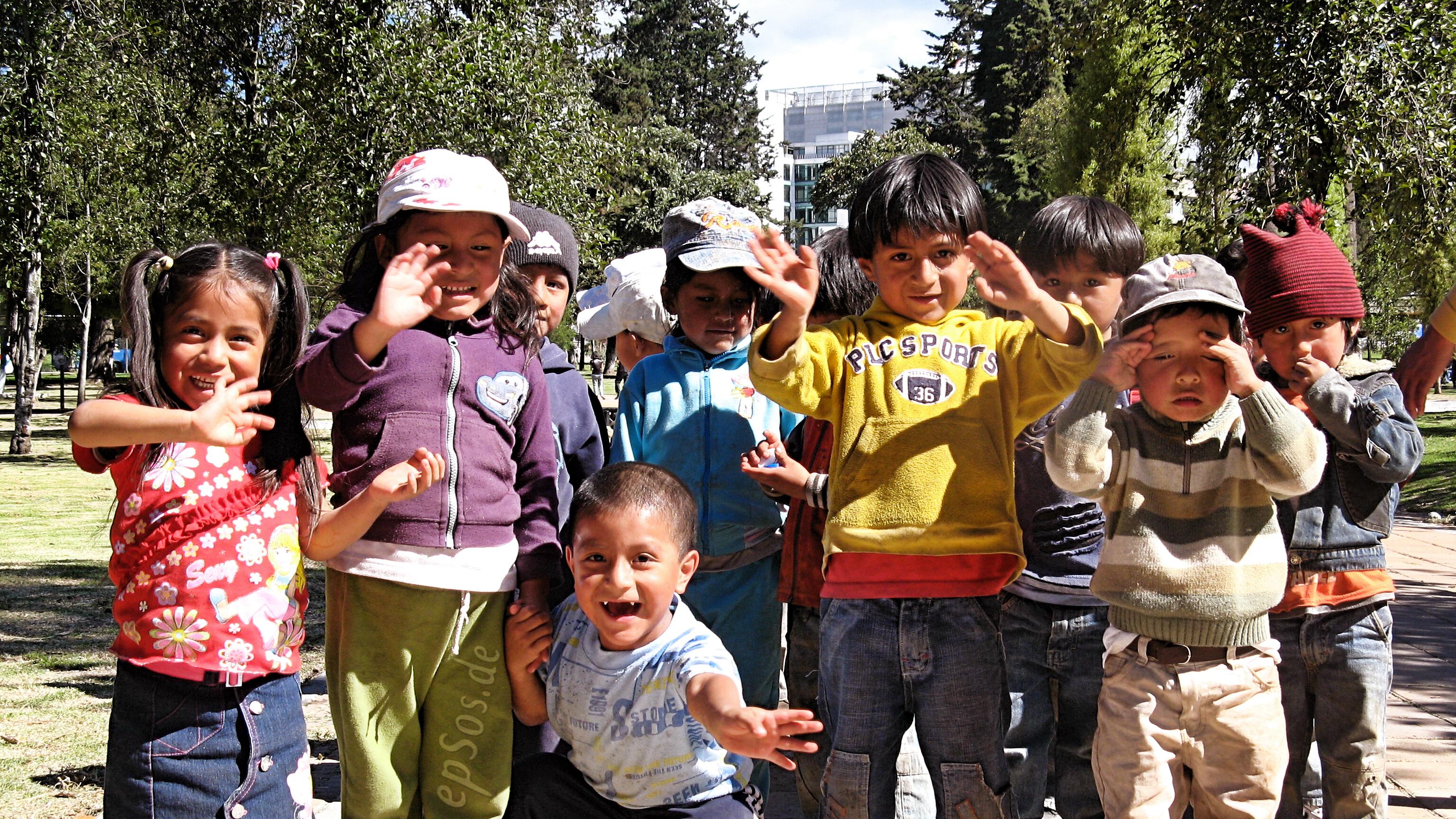 File:Happy Children Playing Kids.jpg - Wikimedia Commons