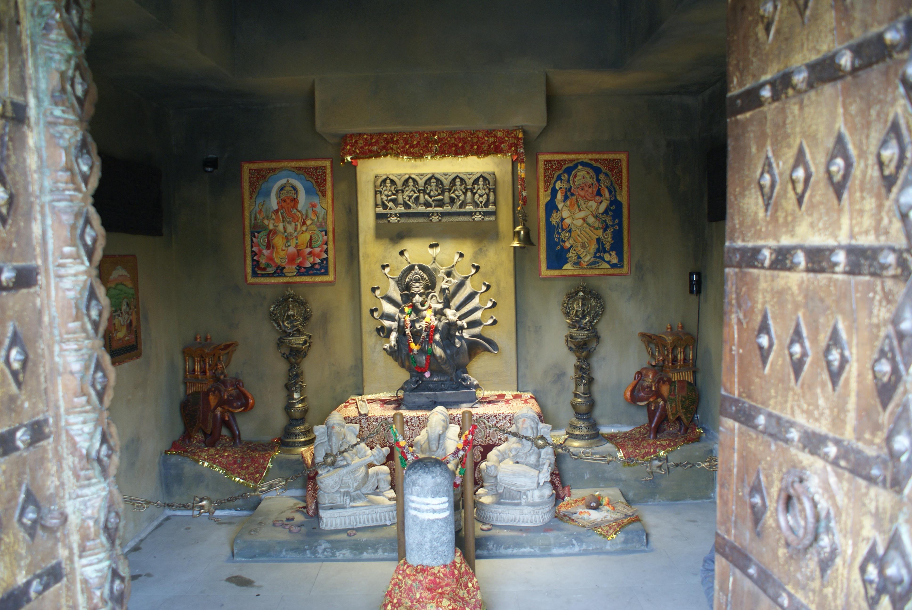 File:Hindu Temple In Prague Zoo 02.JPG