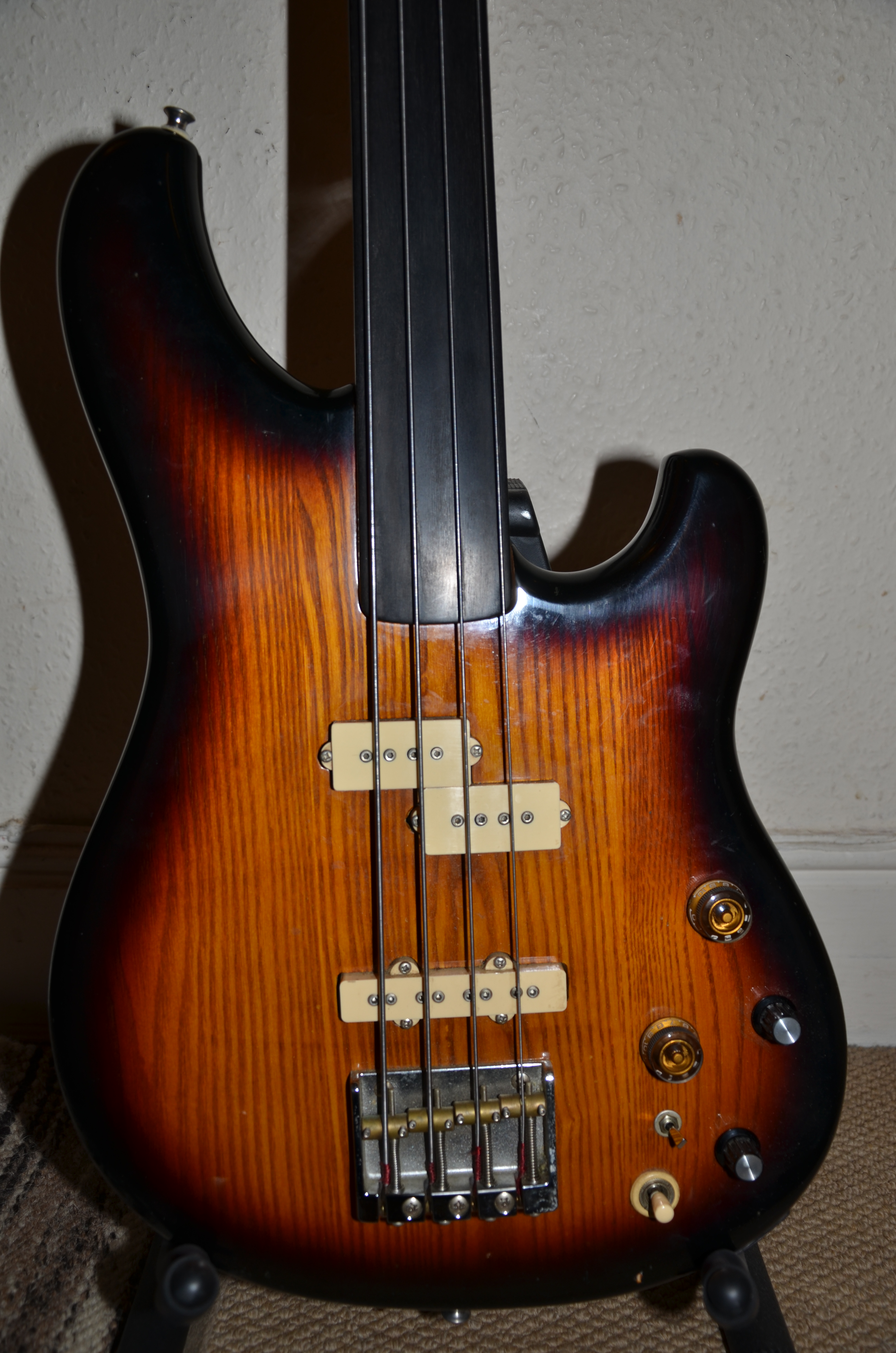 file ibanez rs 940 fretless bass 1981 wikimedia commons. Black Bedroom Furniture Sets. Home Design Ideas