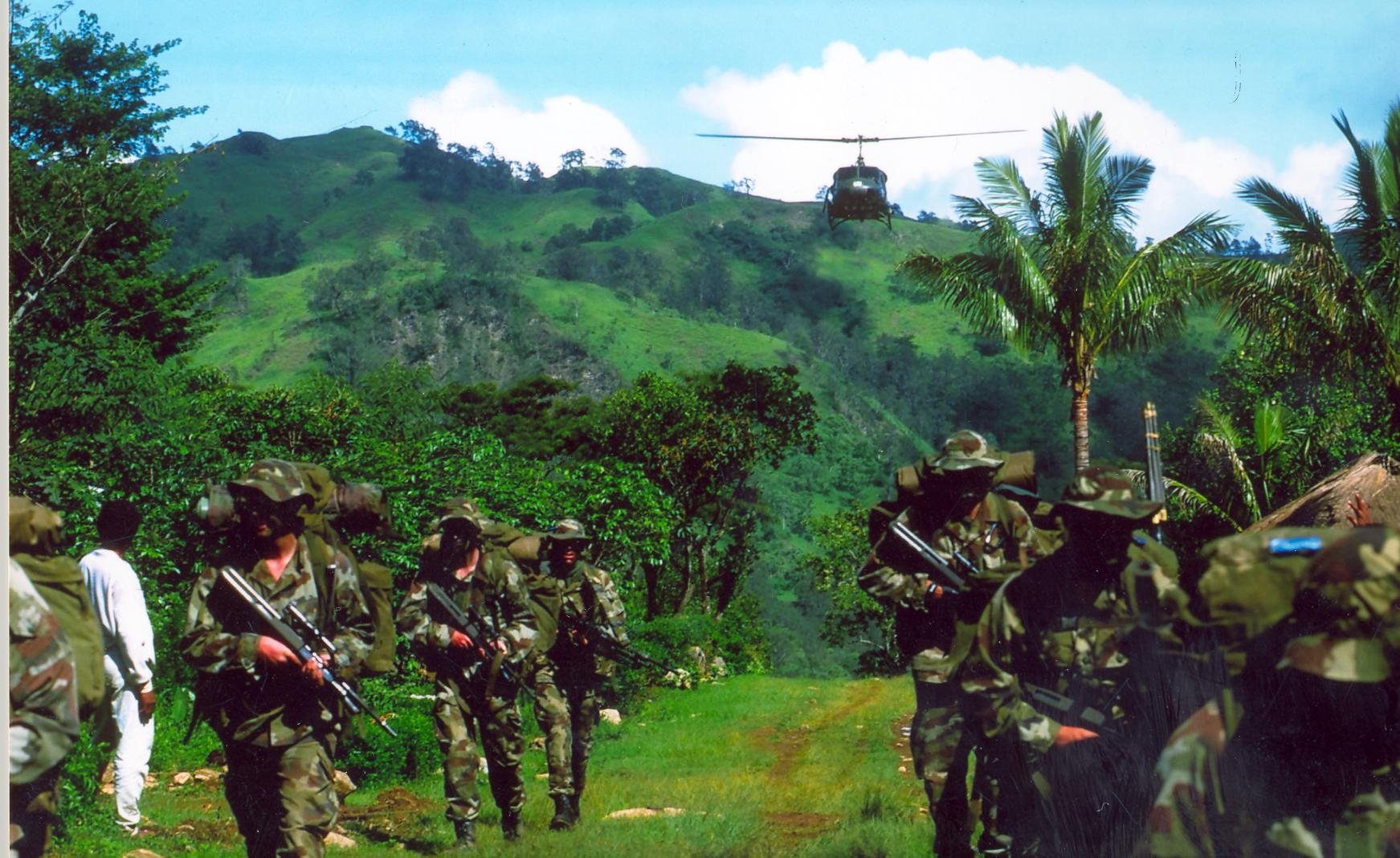 fileirish army east timor 2001jpg wikimedia commons