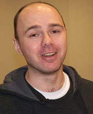 The 48-year old son of father (?) and mother(?) Karl Pilkington in 2021 photo. Karl Pilkington earned a 0.3 million dollar salary - leaving the net worth at 0.75 million in 2021