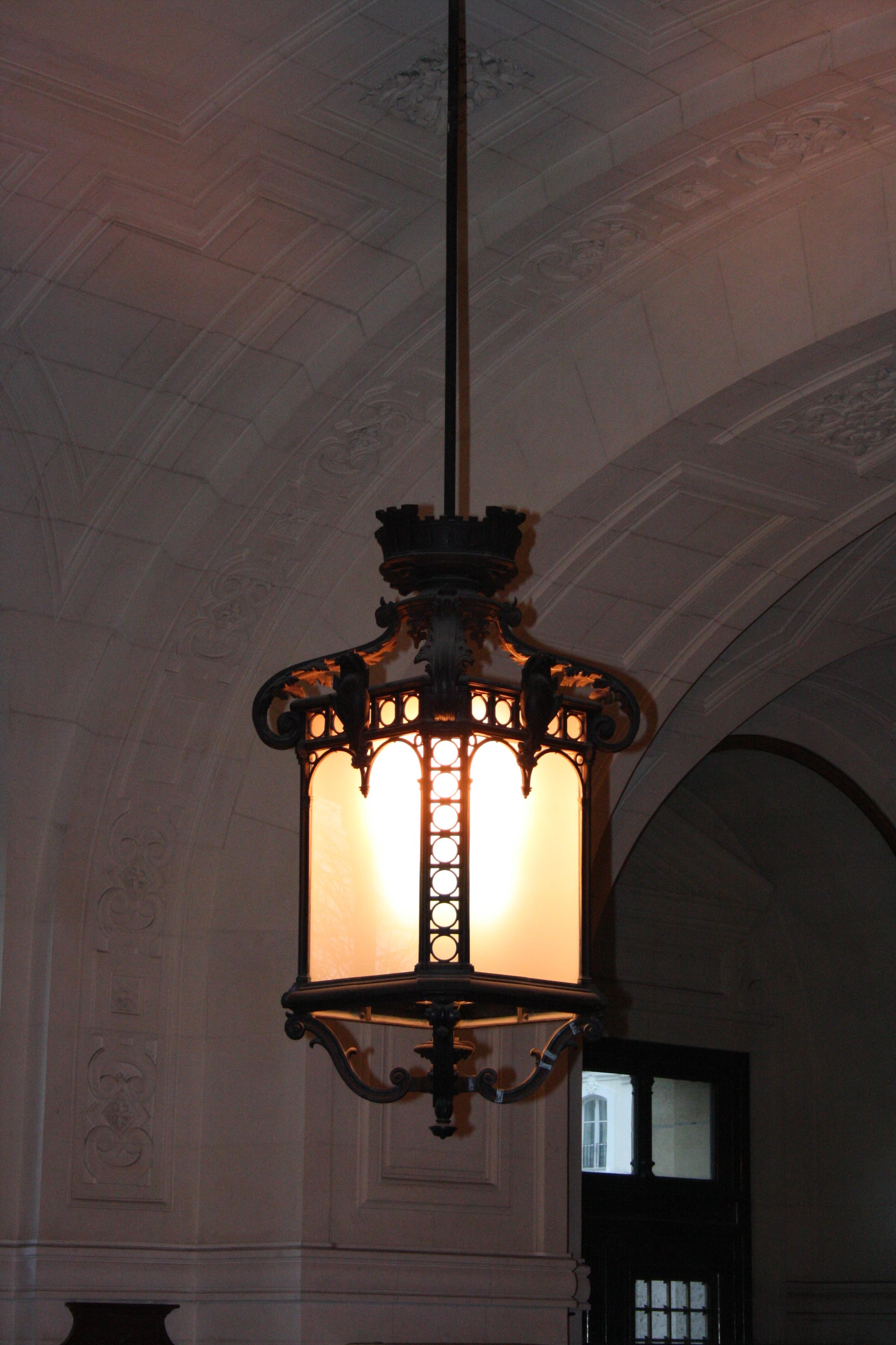 Hall Lighting : Description La Sorbonne Hall Lighting Type 1.jpg