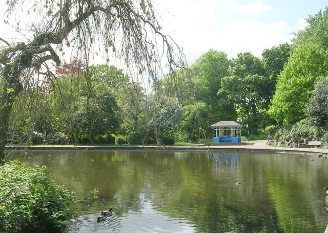 Crow Nest Park - Wikipedia