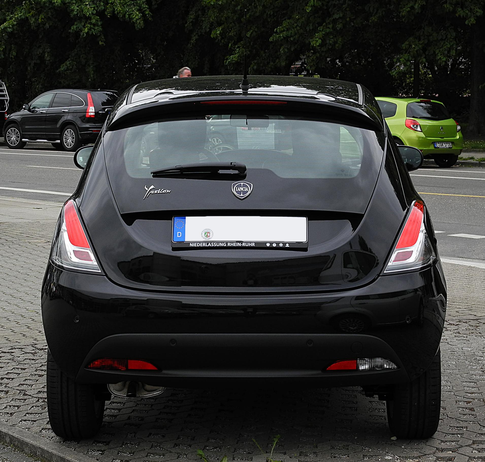 Fanale retromarcia post dx lancia ypsilon dal 2011 originale magneti marelli ebay - Lancia y diva 2011 ...