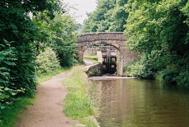 Lock No 15E, Huddersfield Narrow Canal - geograph.org.uk - 849550