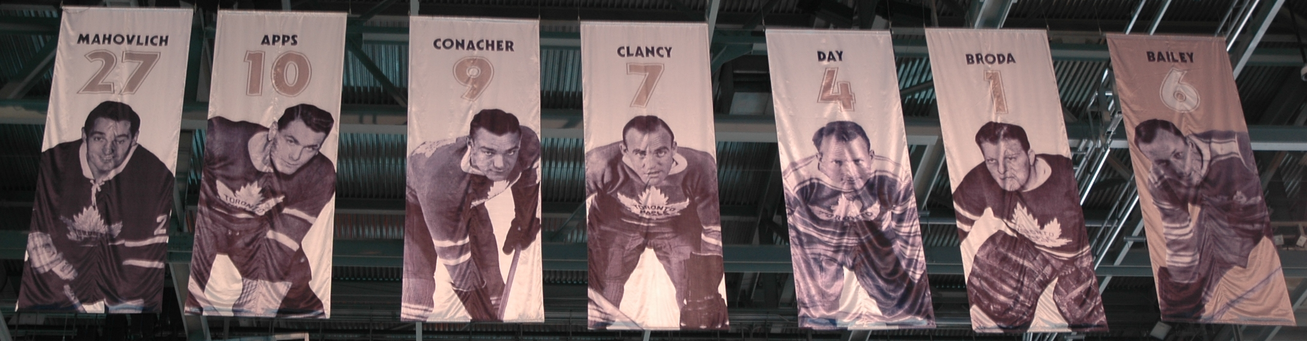 Maple_Leafs_Banner_3.jpg