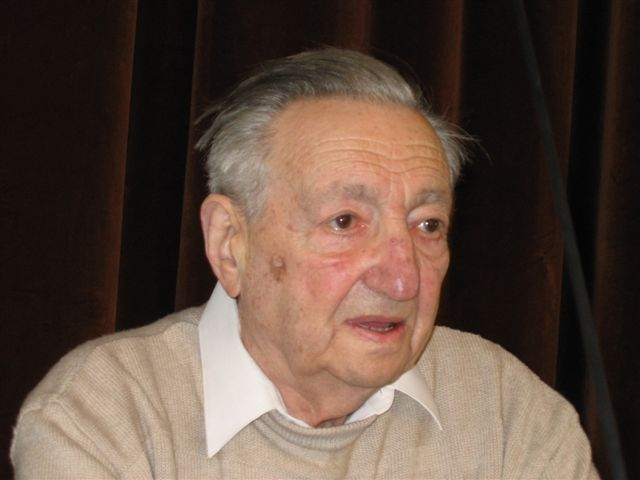 http://upload.wikimedia.org/wikipedia/commons/0/07/Marek_Edelman_by_Kubik.JPG