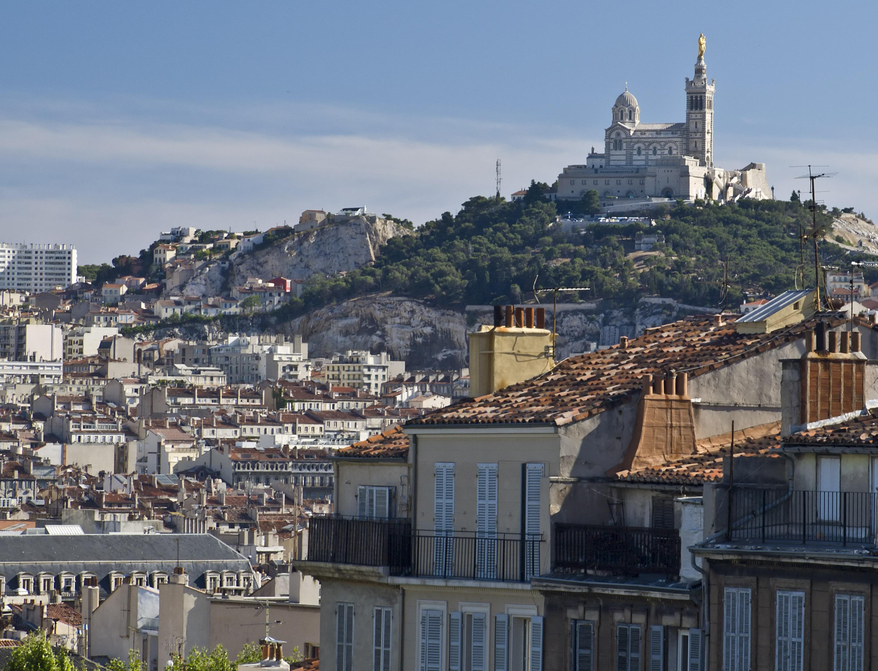 File marseille notre dame de la wikimedia commons - Distance gare saint charles port marseille ...