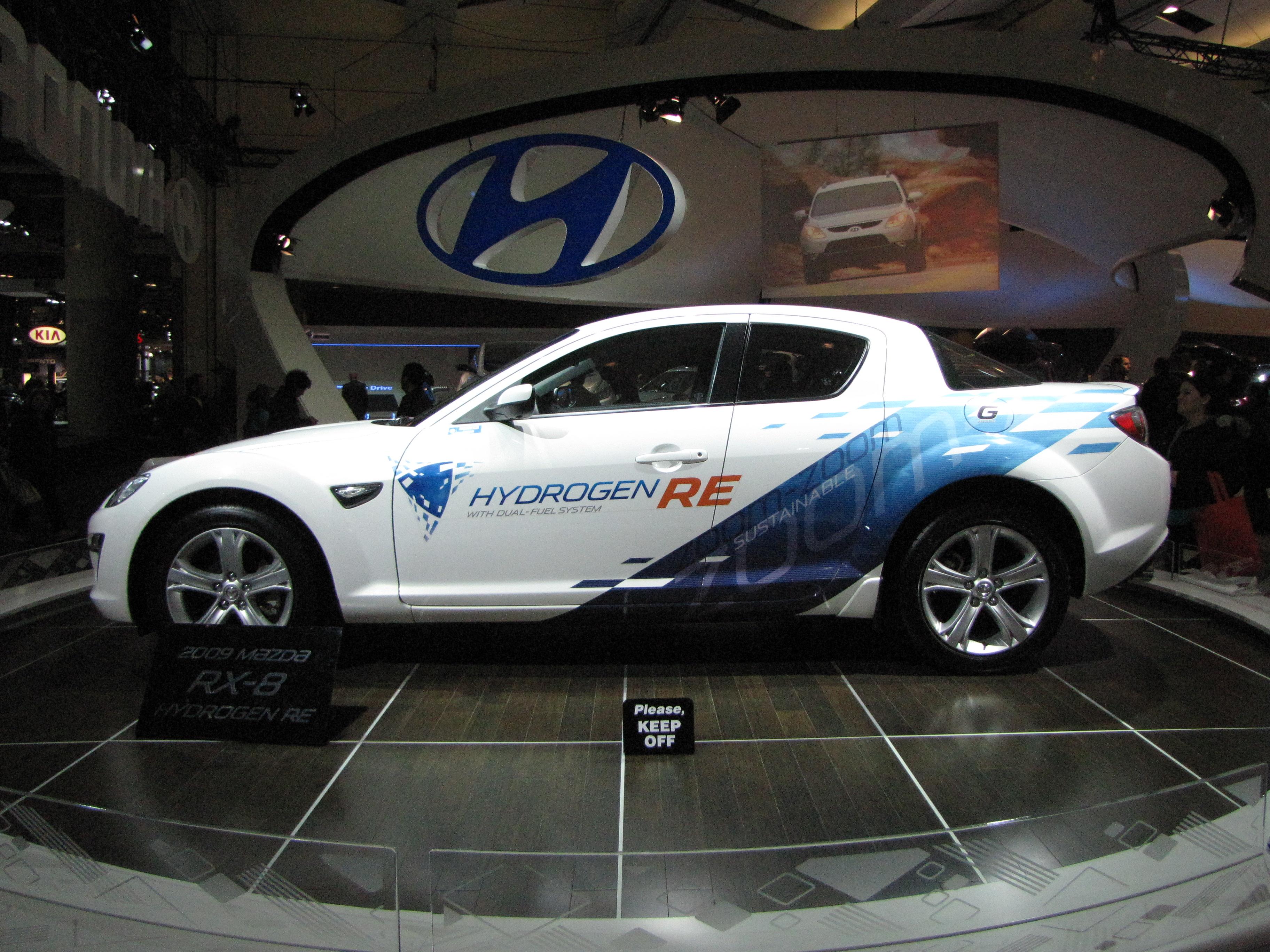File:Mazda 2010 RX-8 Hydrogen RE Left Side.jpg - Wikimedia Commons