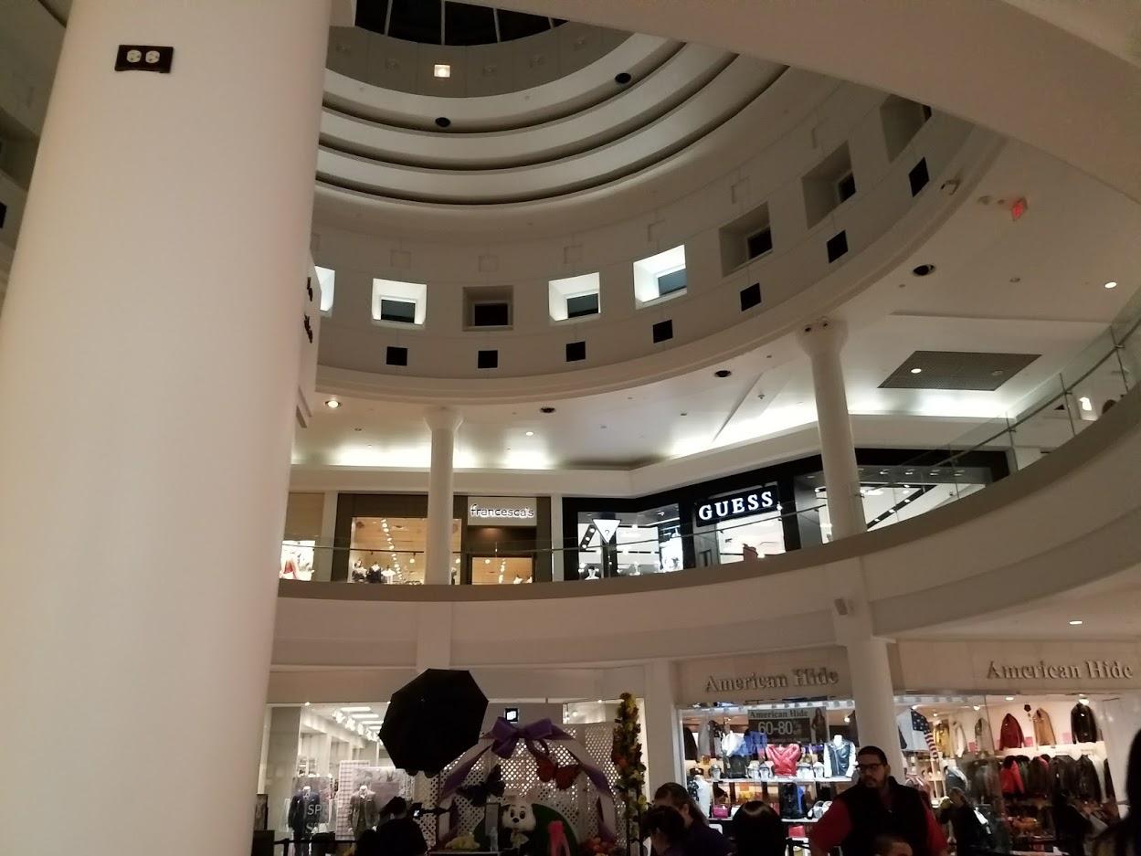 Menlo Park Mall - Wikipedia