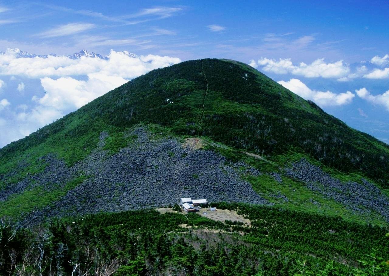 Mount Amigasa from Mount Gongen 1994-5-14.jpg