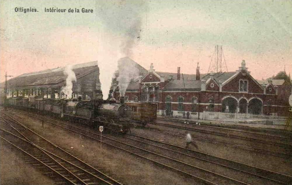 Le site de Montereau (Ligne 830) Ottignies_Gare_trains_1910