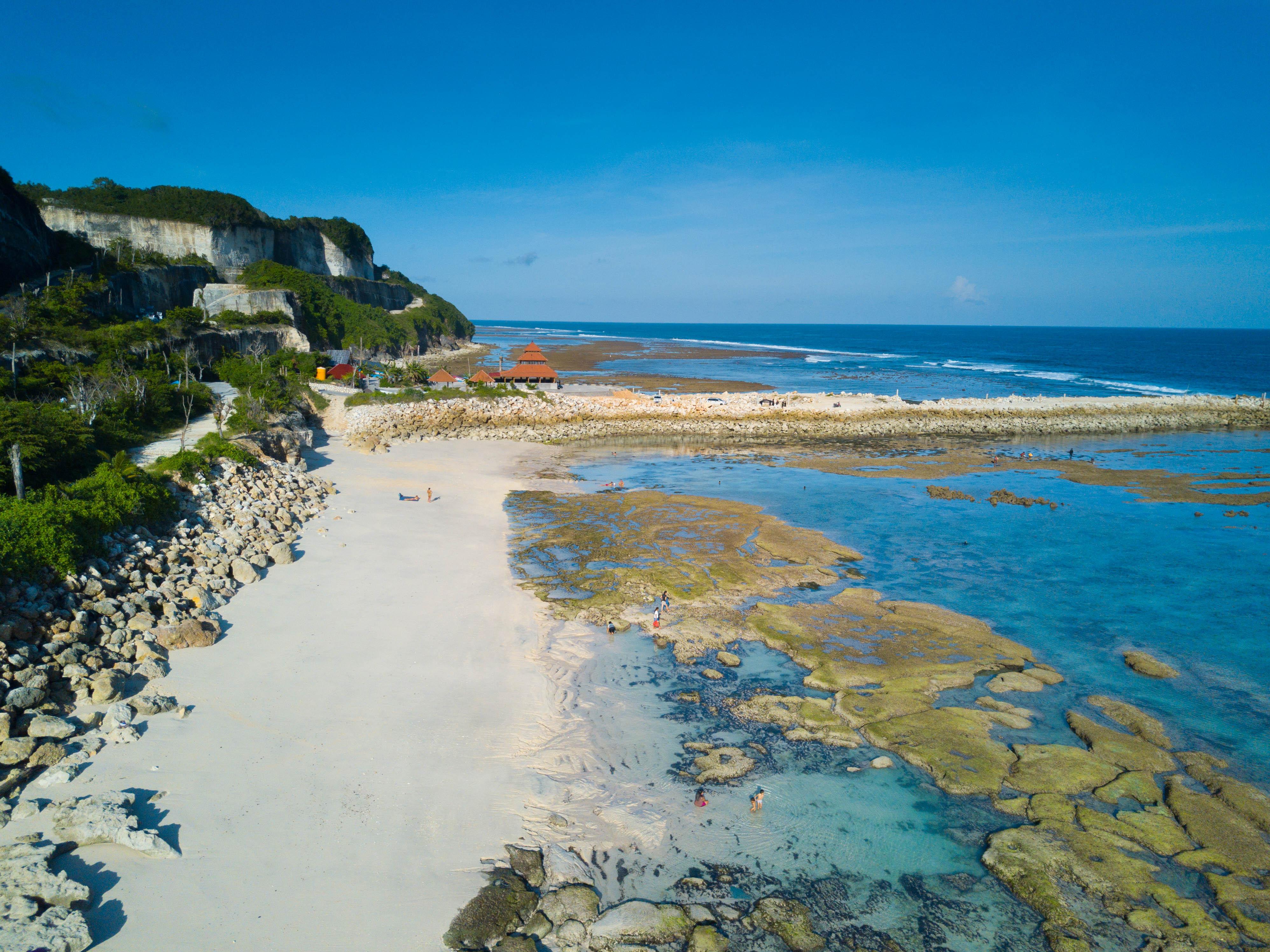 Berkas:Pantai Melasti, Bali.jpg - Wikipedia bahasa Indonesia