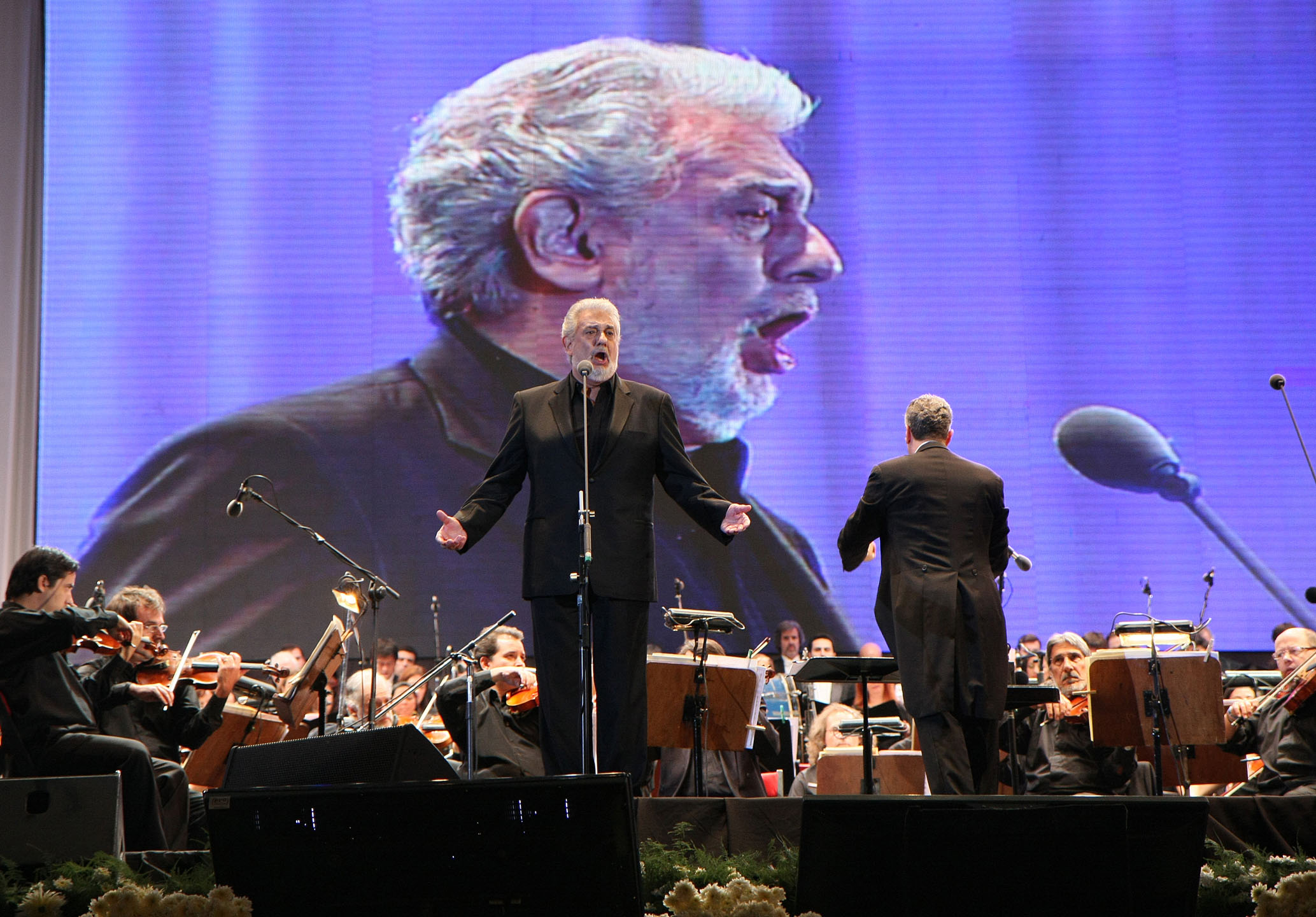 Placido_Domingo%2C_Buenos_Aires_concert_2011.jpg