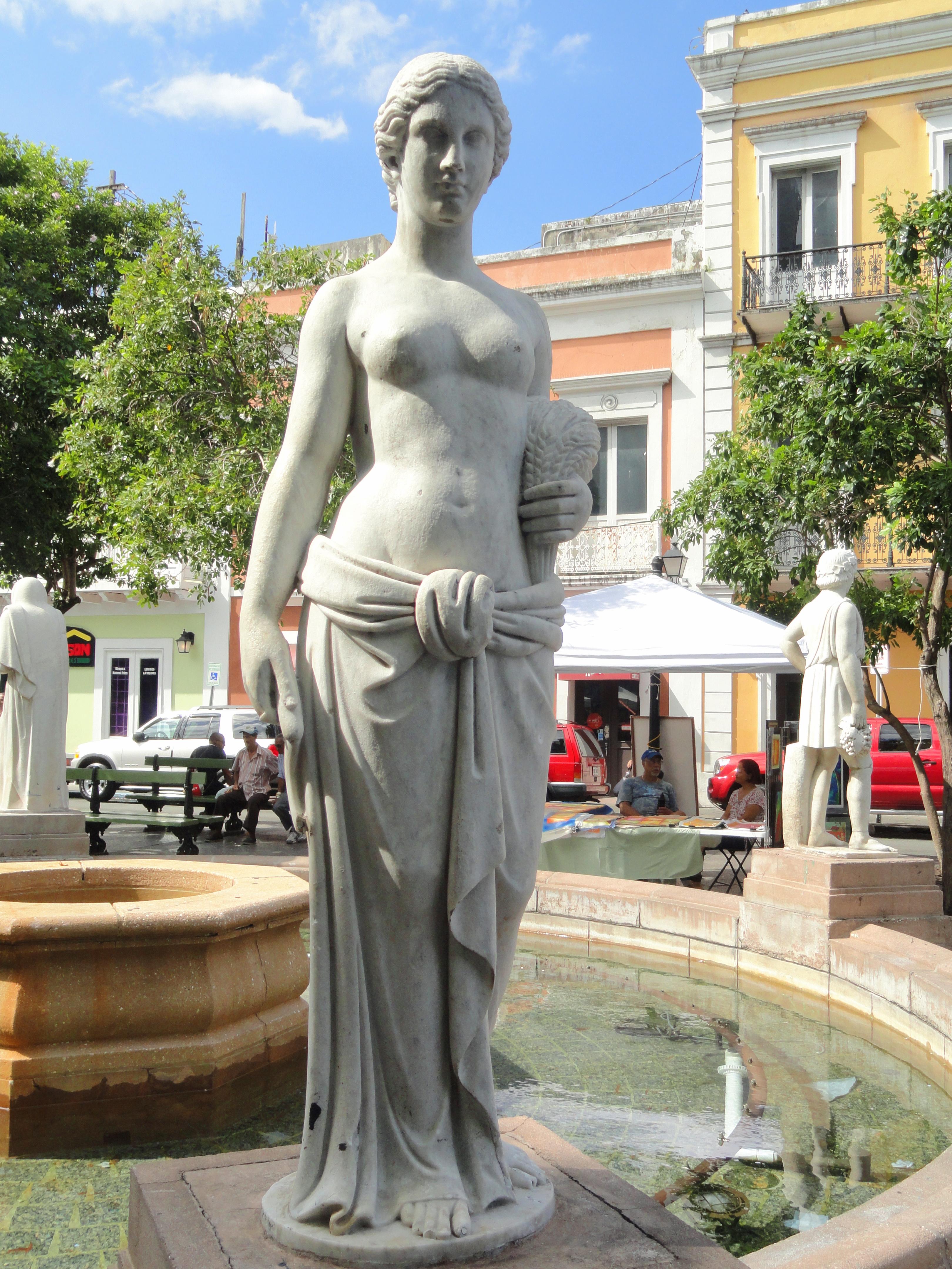 Description plaza de armas fountain san juan puerto rico dsc07110
