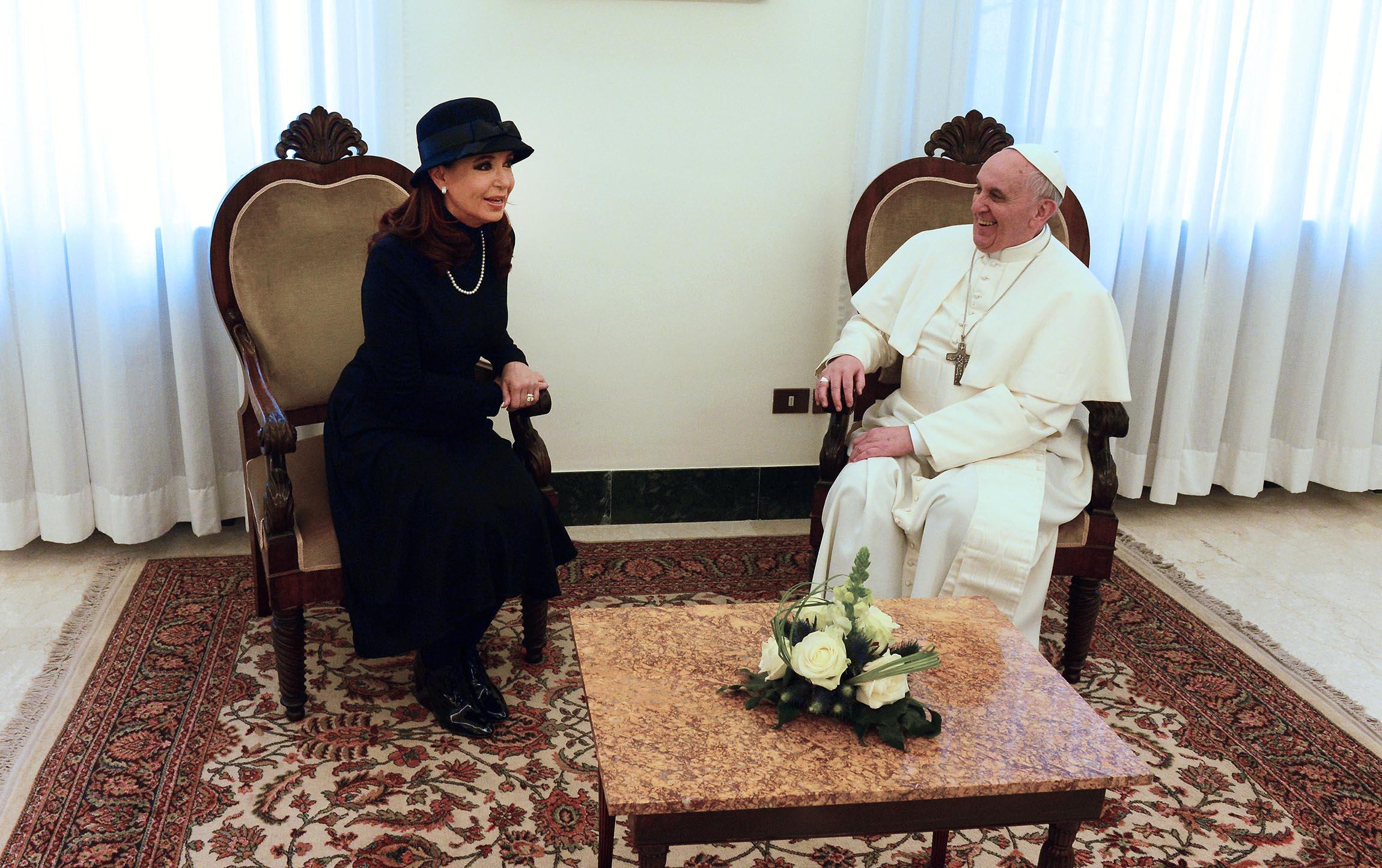 [Obrazek: Pope_Francis_with_Cristina_Fernandez_de_Kirchner_2.jpg]