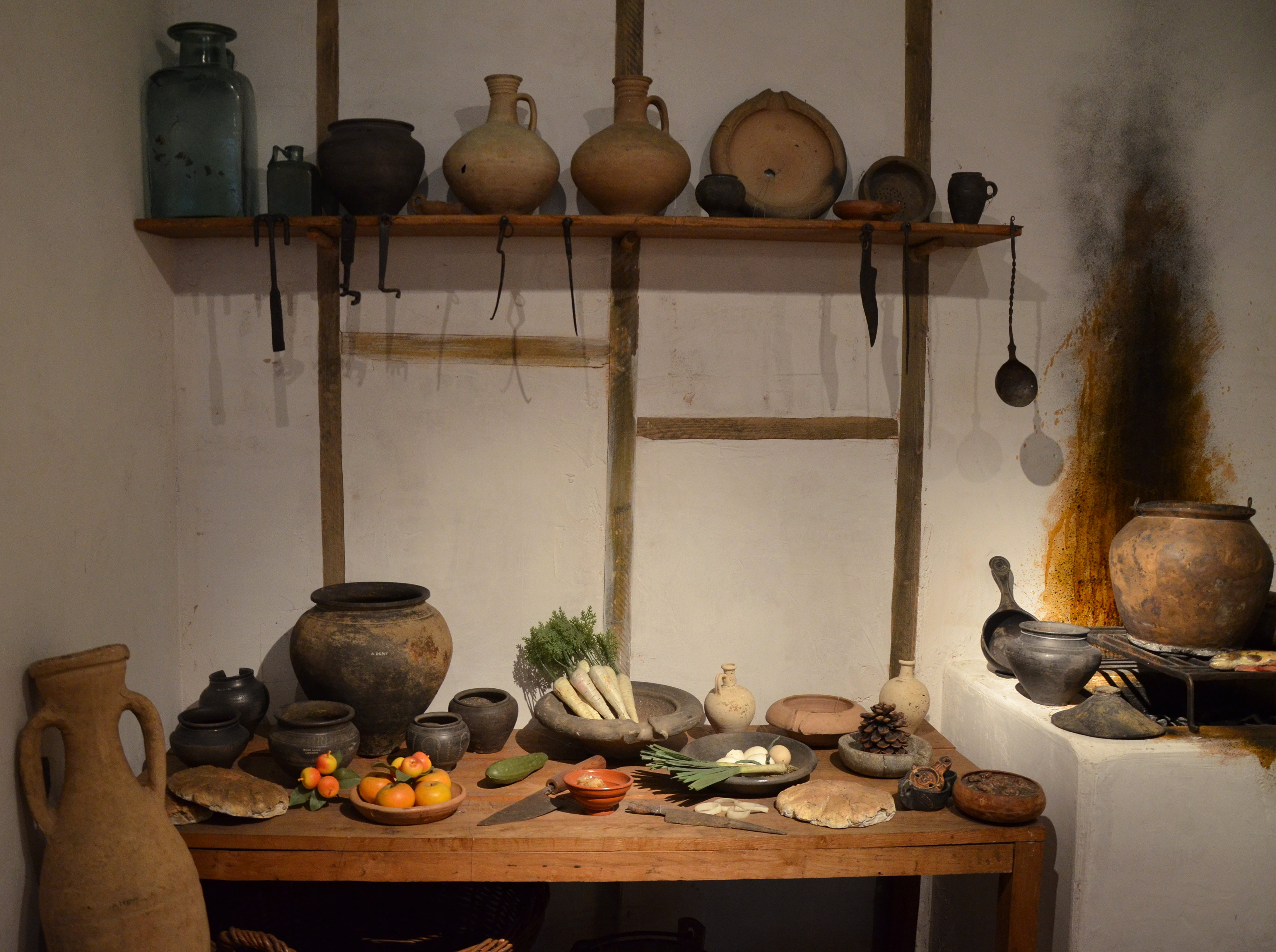 File reconstructed roman kitchen culina museum of for Ancient roman cuisine history