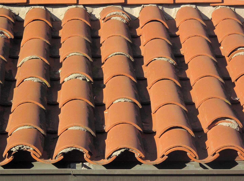 File:Red Tile Roof Repair
