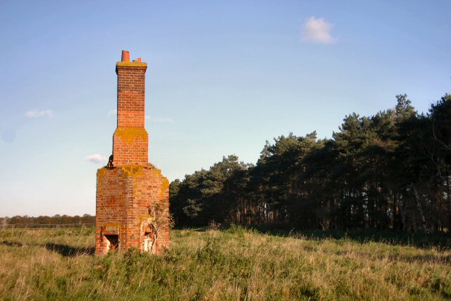 File:Remains of old cottage - geograph.org.uk - 276081.jpg