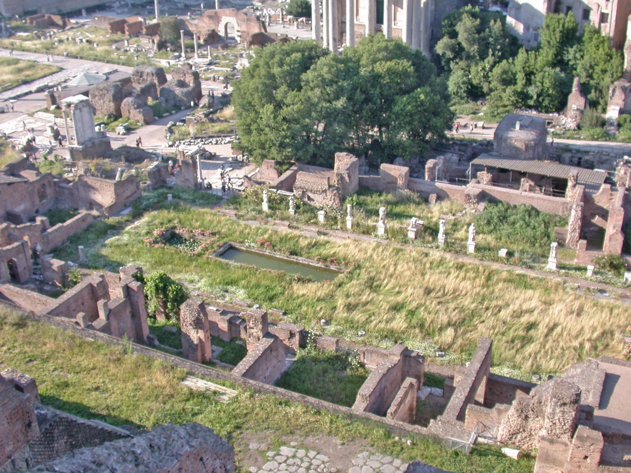 Vizitează Forumul Roman: 8 Repere, Sfaturi și excursii