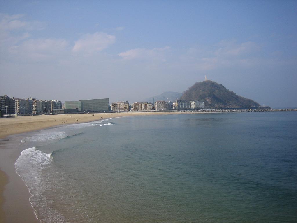 La ville de saint s bastien espagne les 3 plages - Office de tourisme san sebastian espagne ...