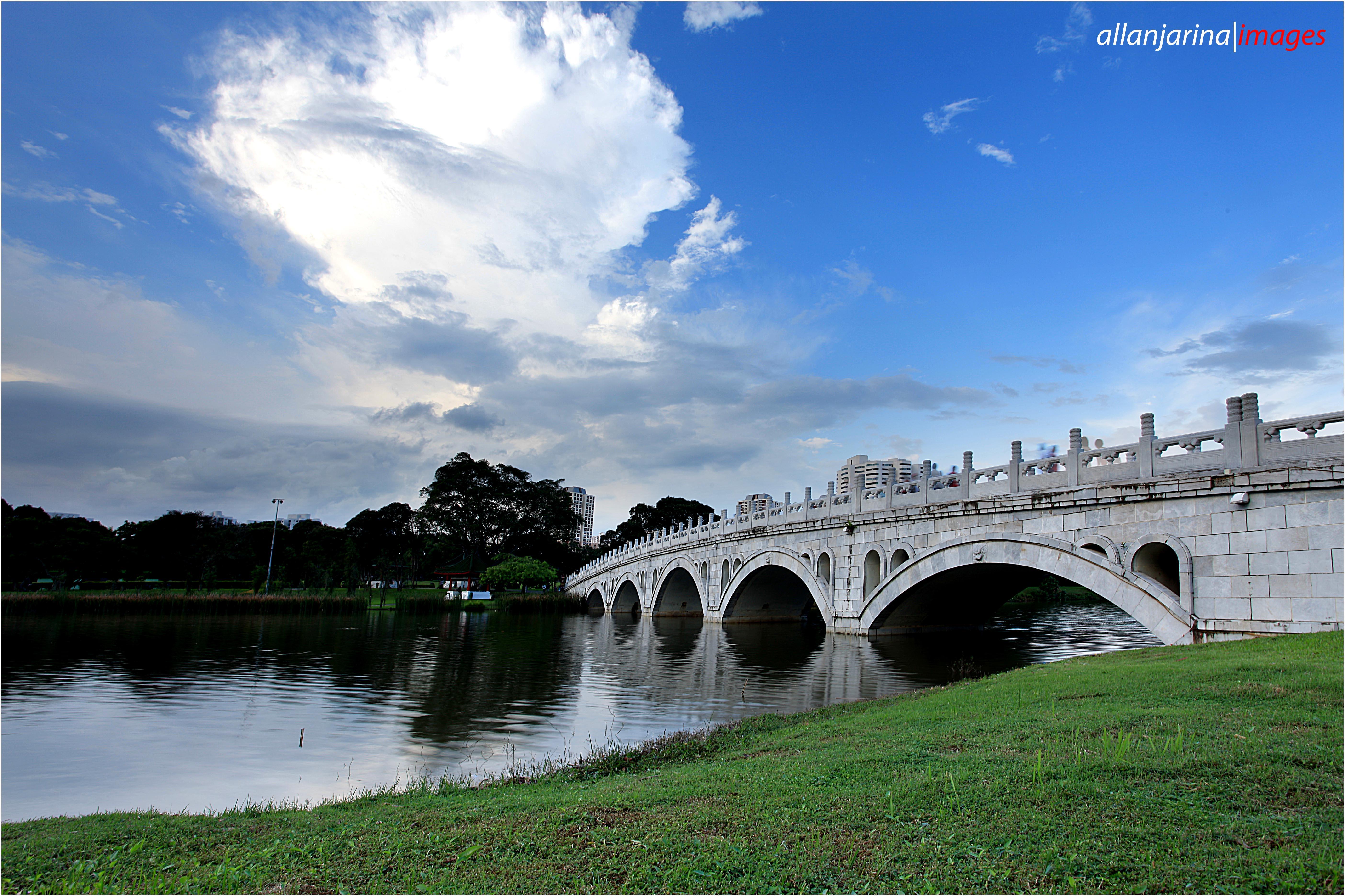 File:Singapore-Chinese-Garden-Bridge.jpg - Wikimedia Commons