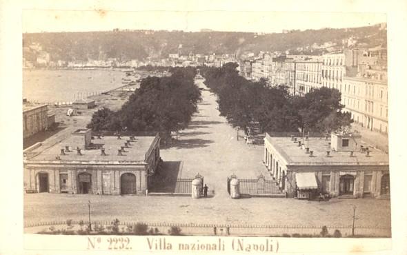 Jardin et bord de mer avant 1914. Photo de Sommer.