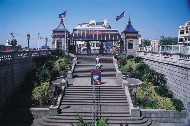 Steps at Entrance to Sealife Centre Brighton - geograph.org.uk - 93245