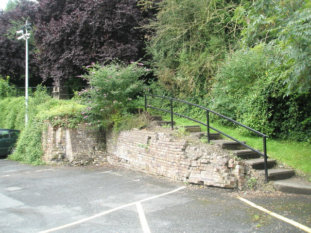 File:Steps to the drinking fountain between Waterloo Street and Madeley Road. - geograph.org.uk - 1466974.jpg