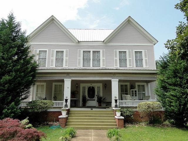 File:Thorton-Lee Home c.1888.jpg