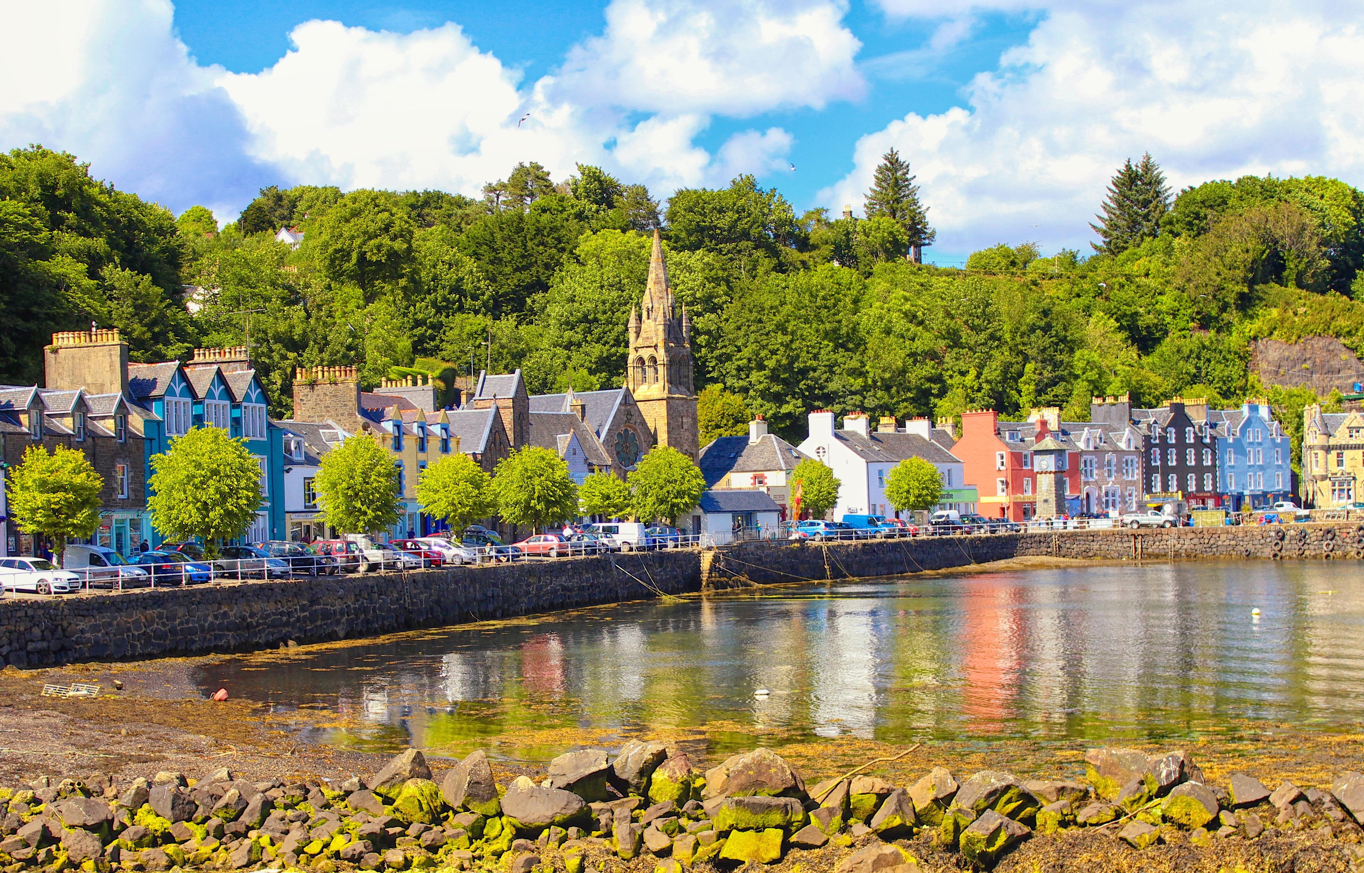 Tobermory, Isle of Mull, Scotland (16533469707).jpg