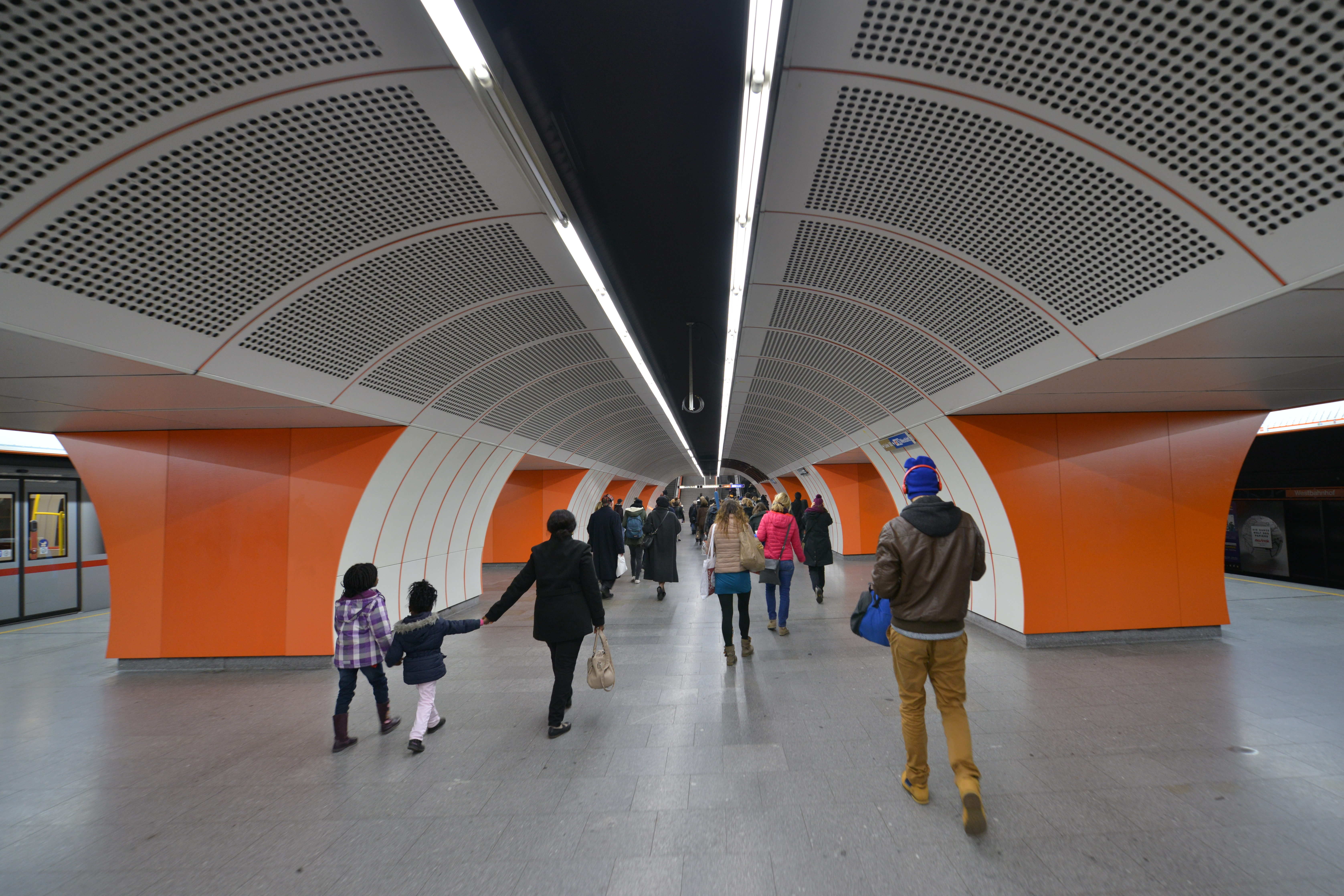 Fileu Bahn Station Westbahnhof 2014jpg Wikimedia Commons