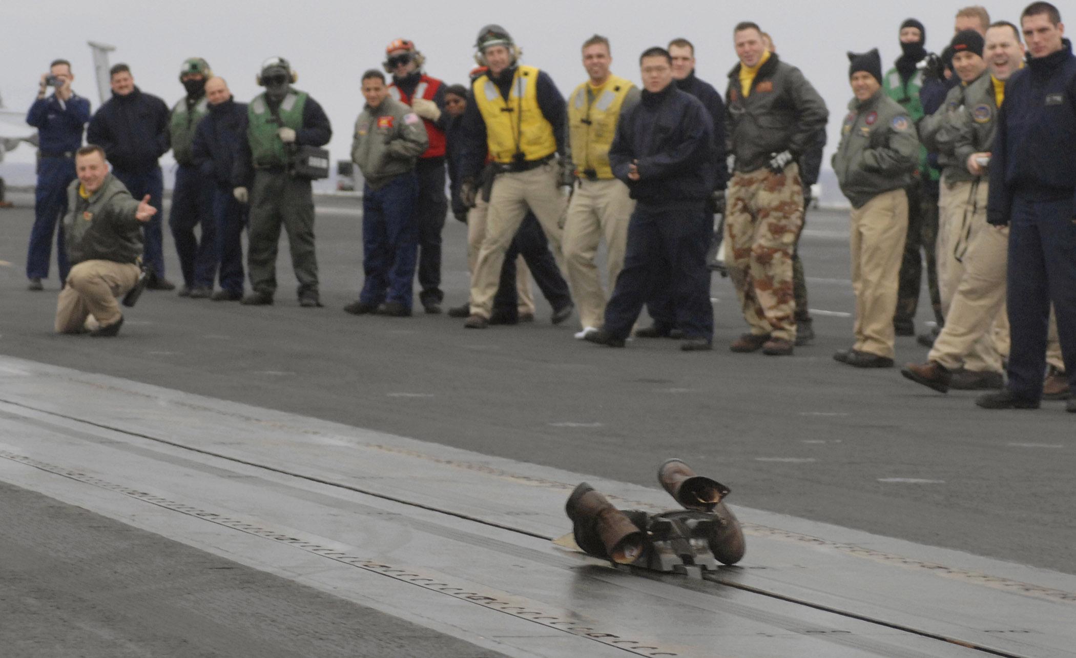 Navyboot Schoudertas : File us navy n w lt cmdr robert stark