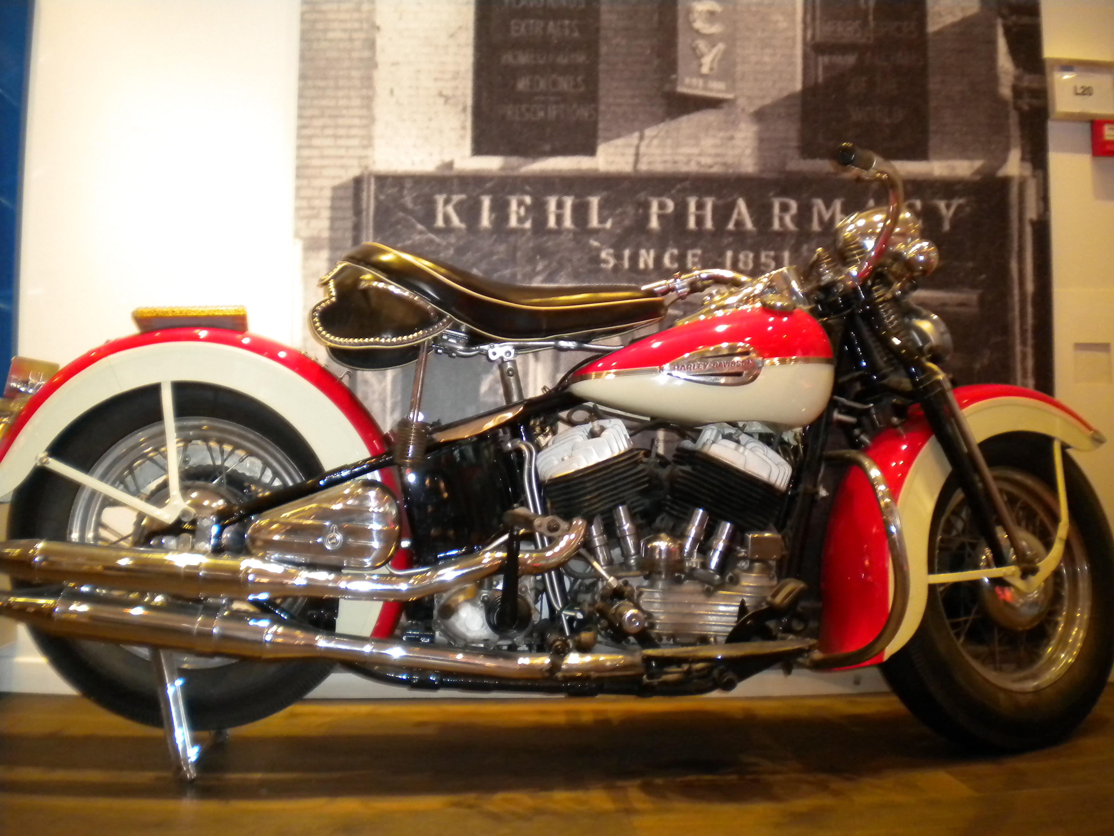 Old Harley Davidson: Harley Davidson, Motorcycles And