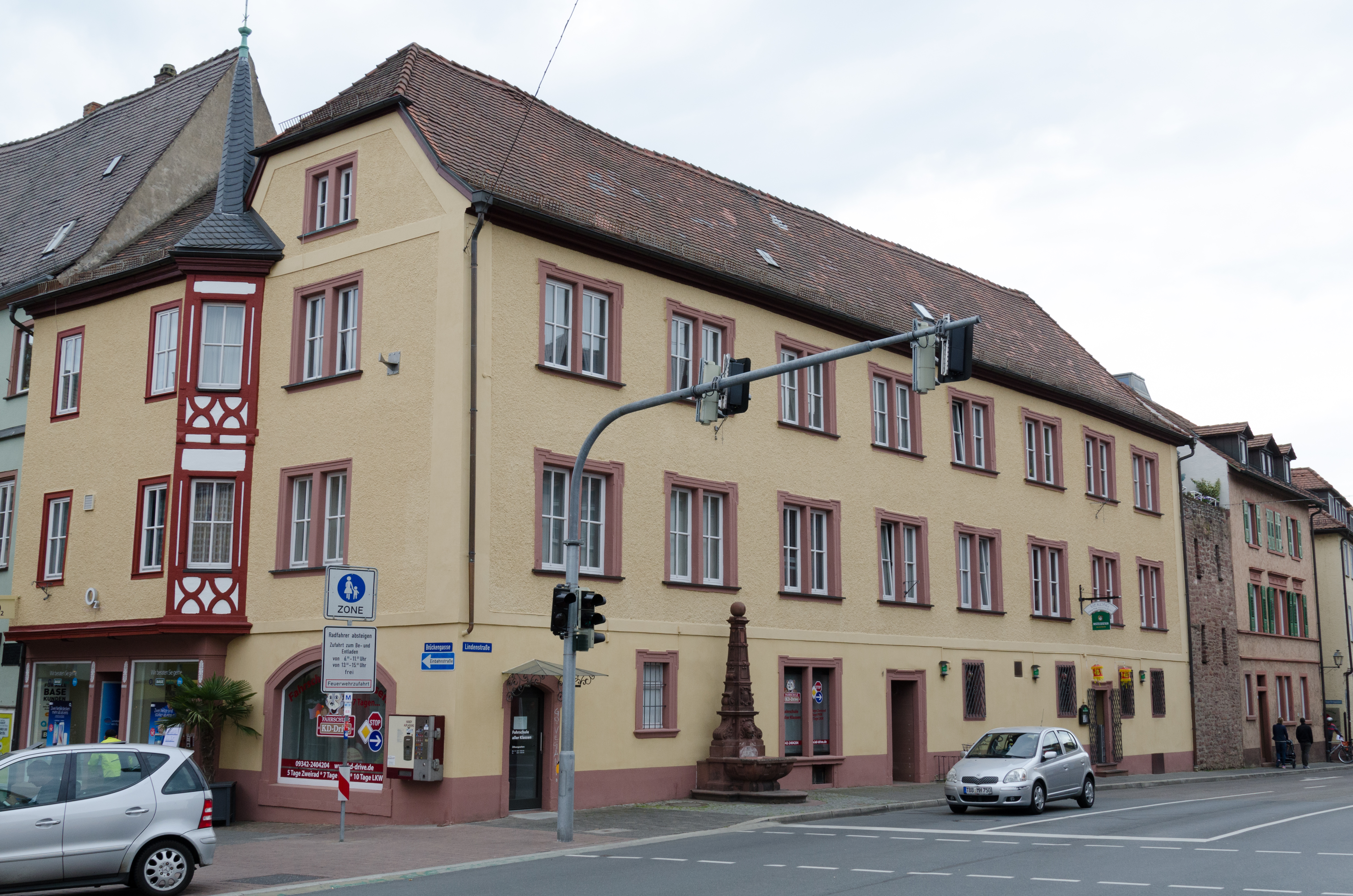 Lindenstraße One