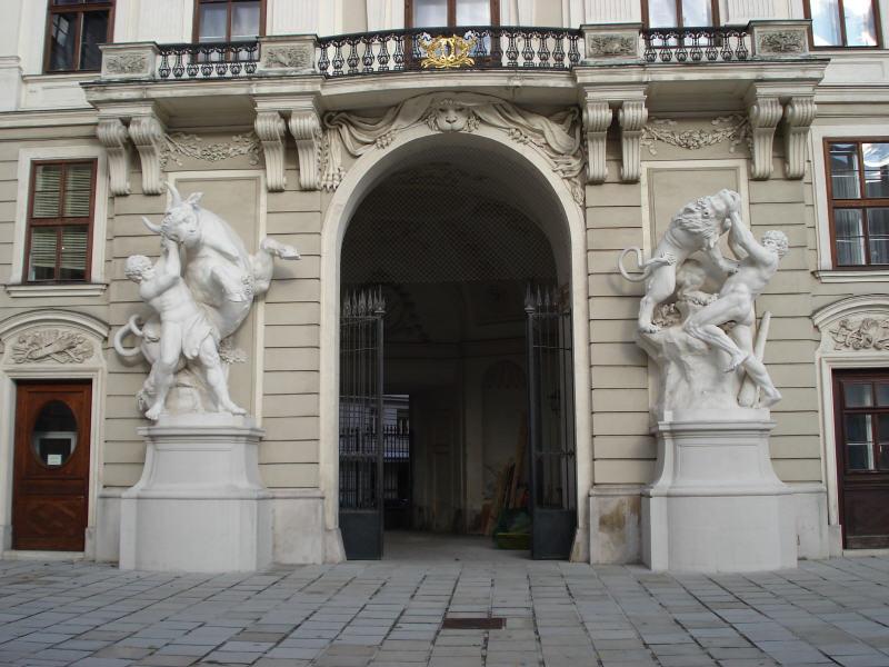 Wien Reichskanzlertrakt Lorenzo Mattielli.jpg