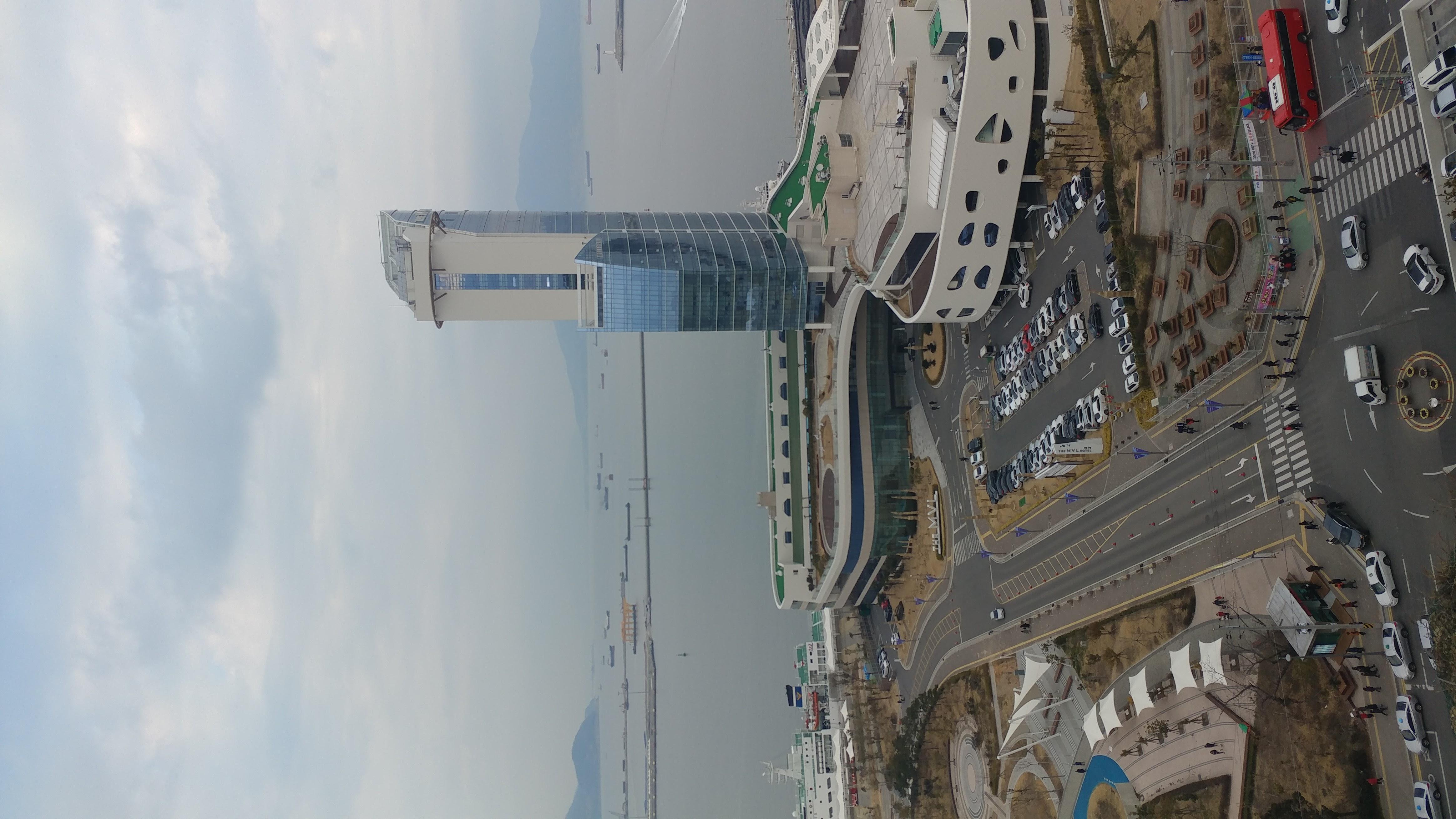 File:Yeosu MVL Hotel.jpg - Wikimedia Commons