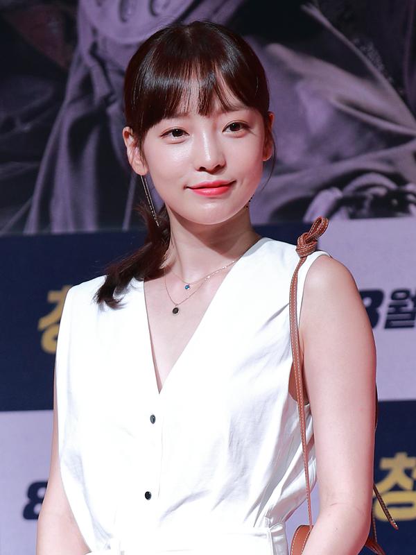 Photo de Goo Ha-ra avec un hauteur de 163 cm et à l'age de 27 en 2018