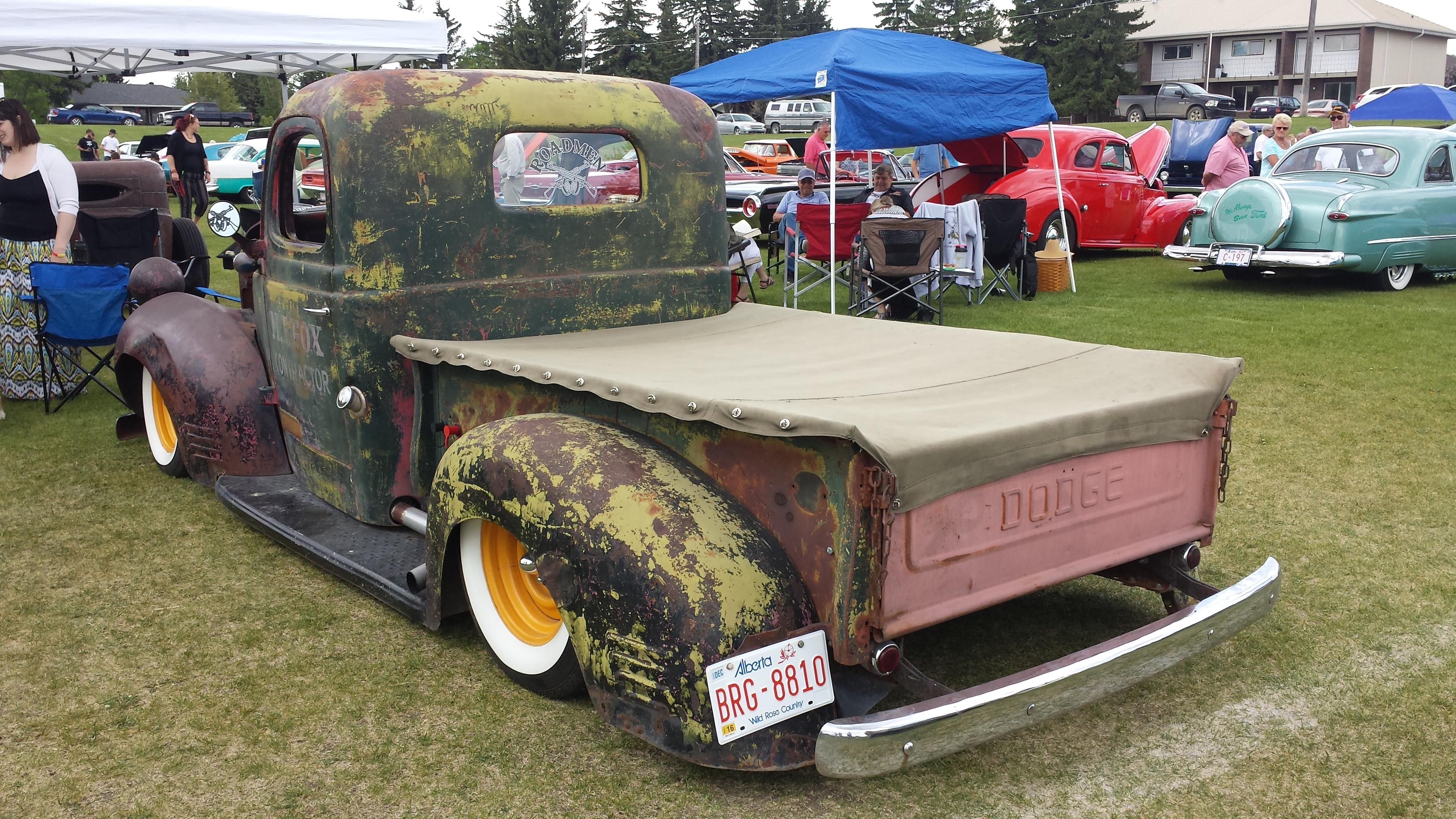 1942_Dodge_pickup_truck_rear_-_Flickr_-_