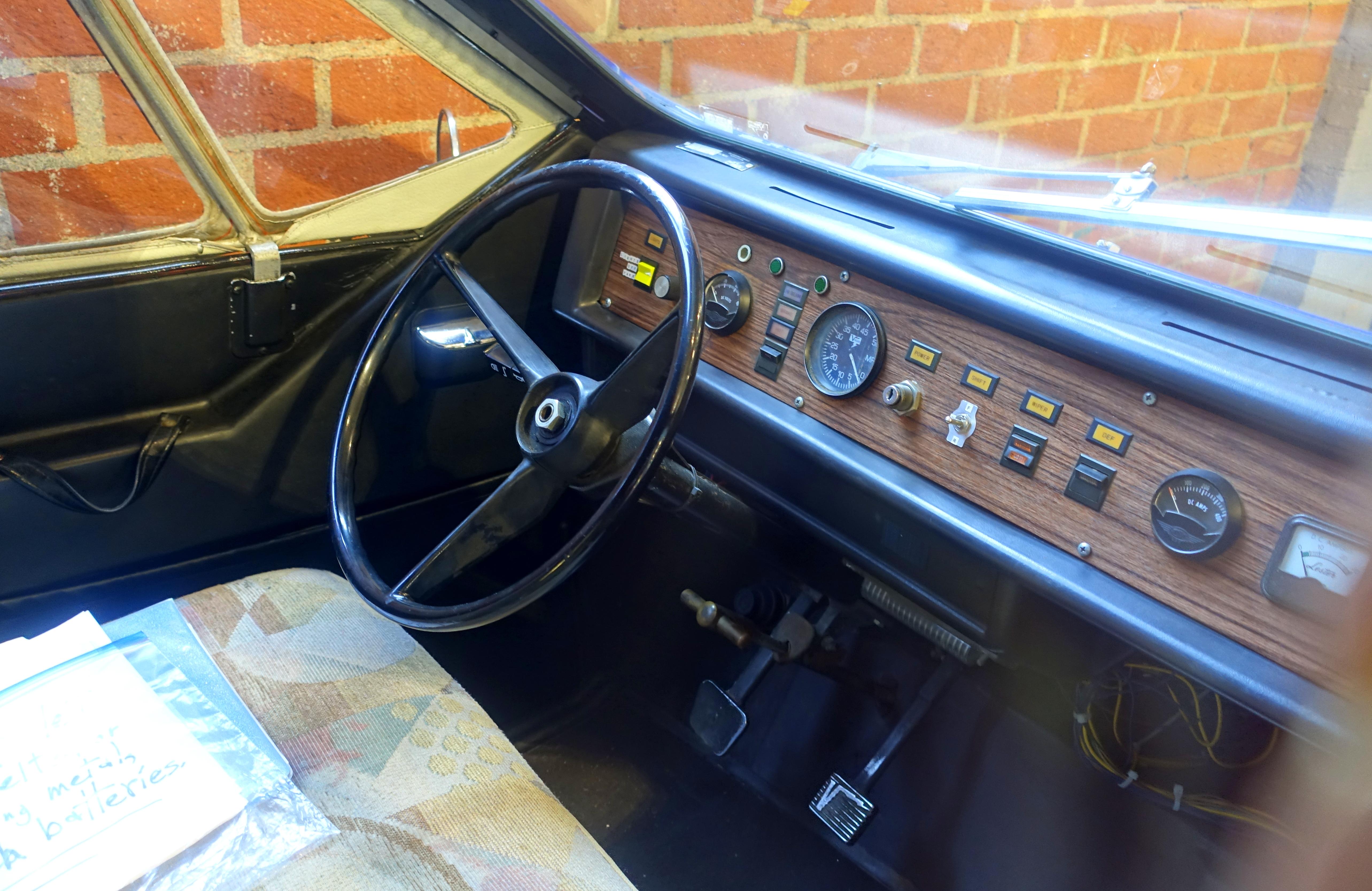 1975_Sebring-Vanguard_CitiCar_-_Automobi